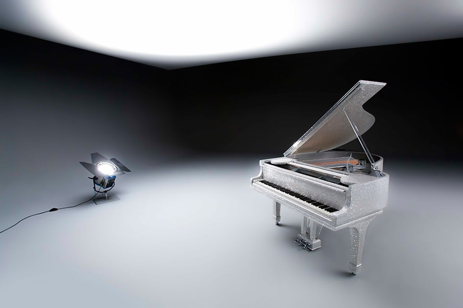 THE CRYSTAL GRAND PIANO 2015 Commissioned by an influential sheikh in Qatar.