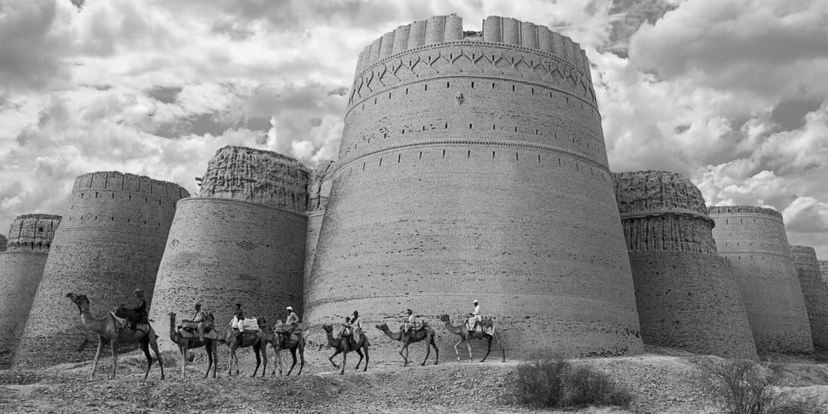 DERAWAR FORT HEART OF CHOLISTAN DESERT. ABBASI FAMILY FORT BUILT ALONG THE ANCIENT GAGHAR RIVER. AD 909
