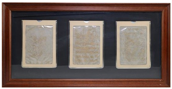<div class=&#34;artist&#34;><strong>Marcel BROODTHAERS</strong></div> 1924 - 1976 <div class=&#34;title&#34;><em>Three magic slate boards mounted on grey card</em>, 1974/75</div> <div class=&#34;medium&#34;>Set of three magic slate boards mounted on grey card</div> <div class=&#34;dimensions&#34;>34.3 x 68.6 cm</div>