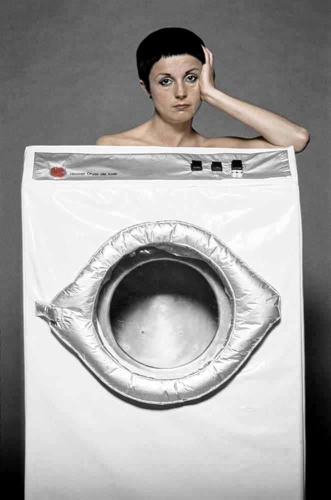 <div class=&#34;artist&#34;><strong>Helen CHADWICK</strong></div> 1953 - 1996 <div class=&#34;title&#34;><em>In the Kitchen (Washing Machine)</em>, 1977</div> <div class=&#34;medium&#34;>Colour Archival Pigment Print </div> <div class=&#34;dimensions&#34;>Image size: 41.9 x 27.7 cm<br /> Sheet size: 50.8 x 40.6 cm</div> <div class=&#34;edition_details&#34;>Edition 1 of 10 + 5 APs</div>
