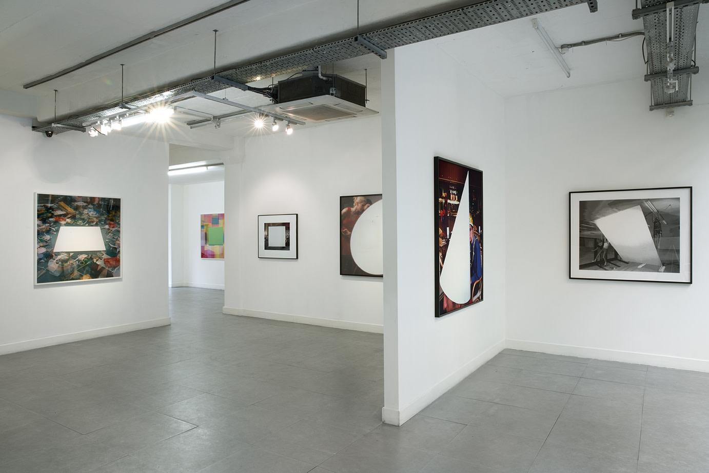 <p><em>John Hilliard</em><span><em>: Not Black and White</em> installation image</span>&#160;</p>