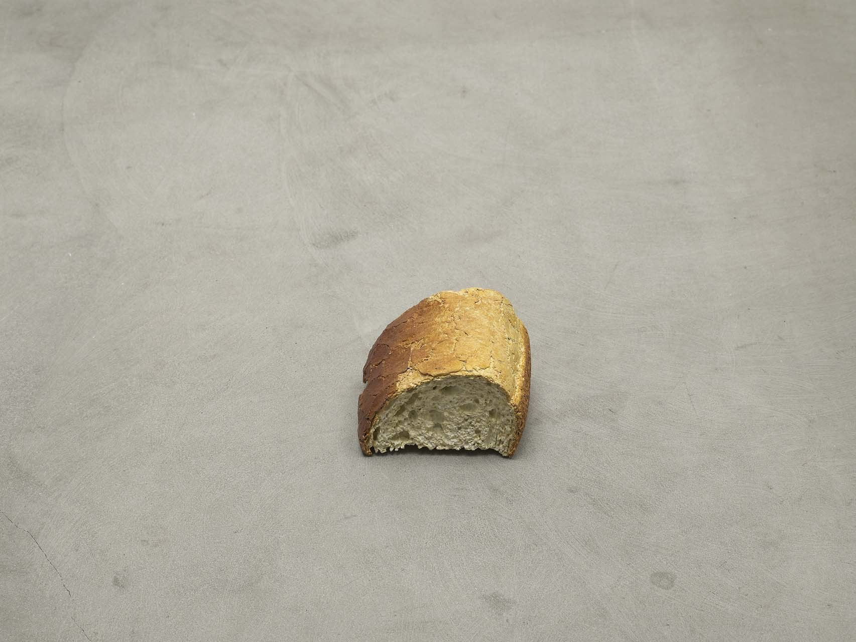 "<div class=""artwork_caption""><p>still.life. (bread), 2009</p></div>"