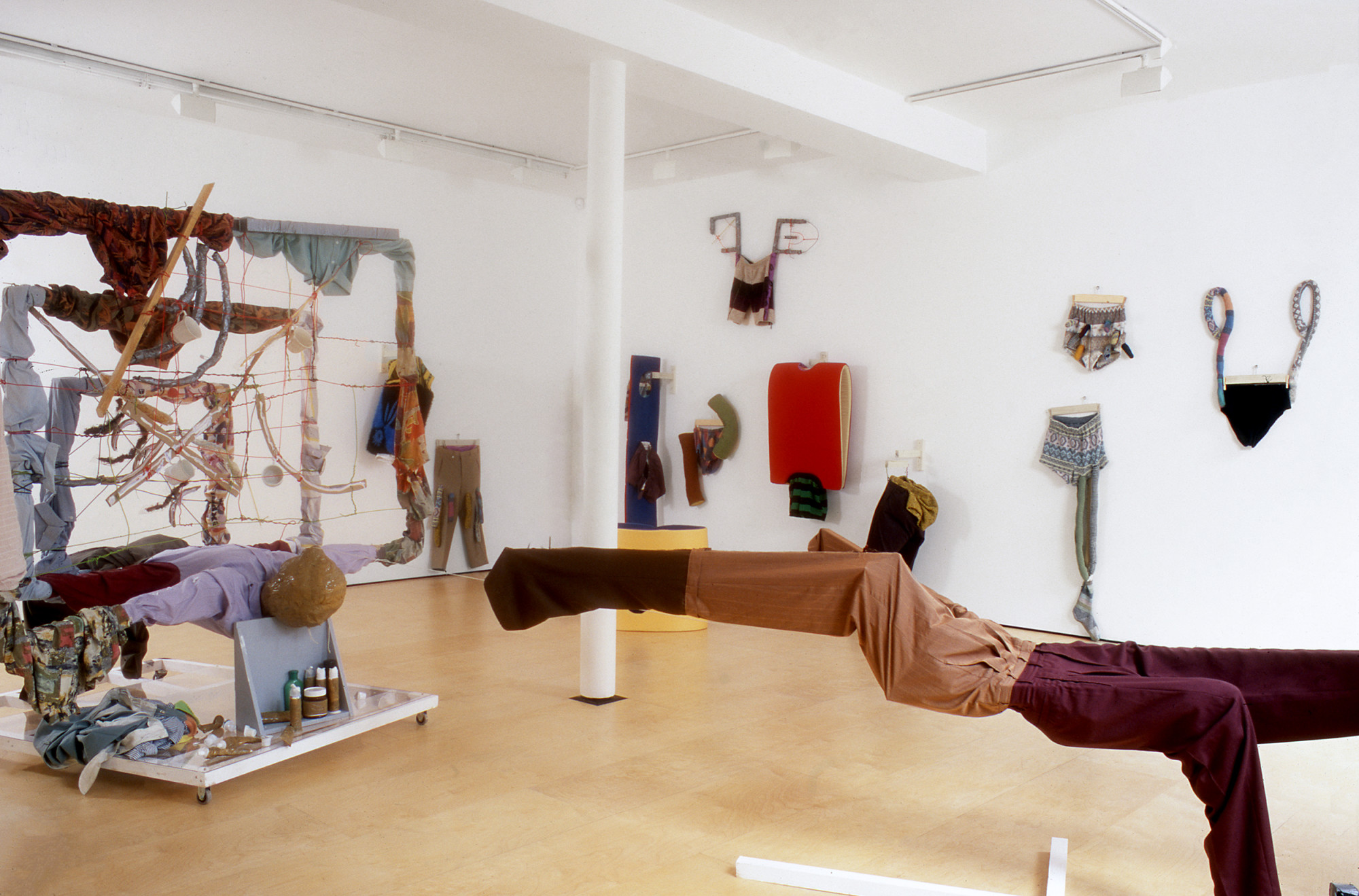 <p>Instalation view, 2001</p>