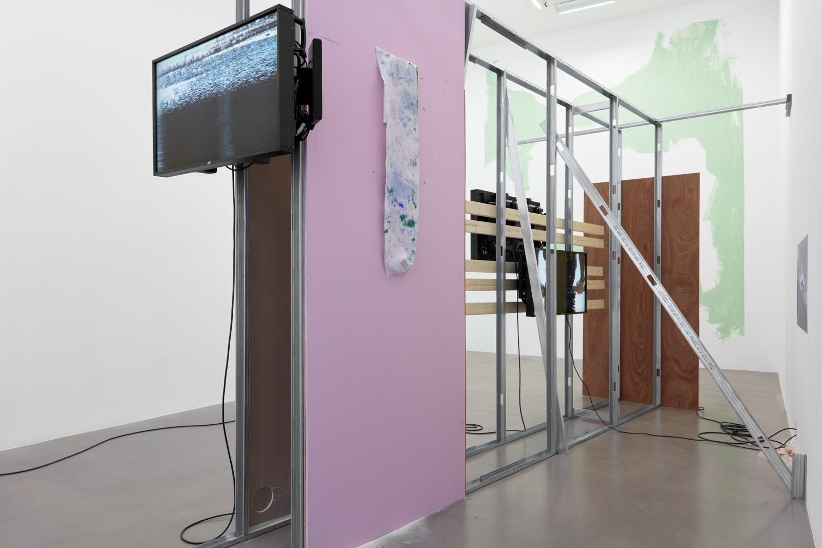 "<p>Installation view, Hilary Lloyd, Car Park, 2019, Sadie Coles HQ, London, 21 November – 20 December 2019</p><p class=""black-link cms_black"">Photography:RobertGlowacki</p>"
