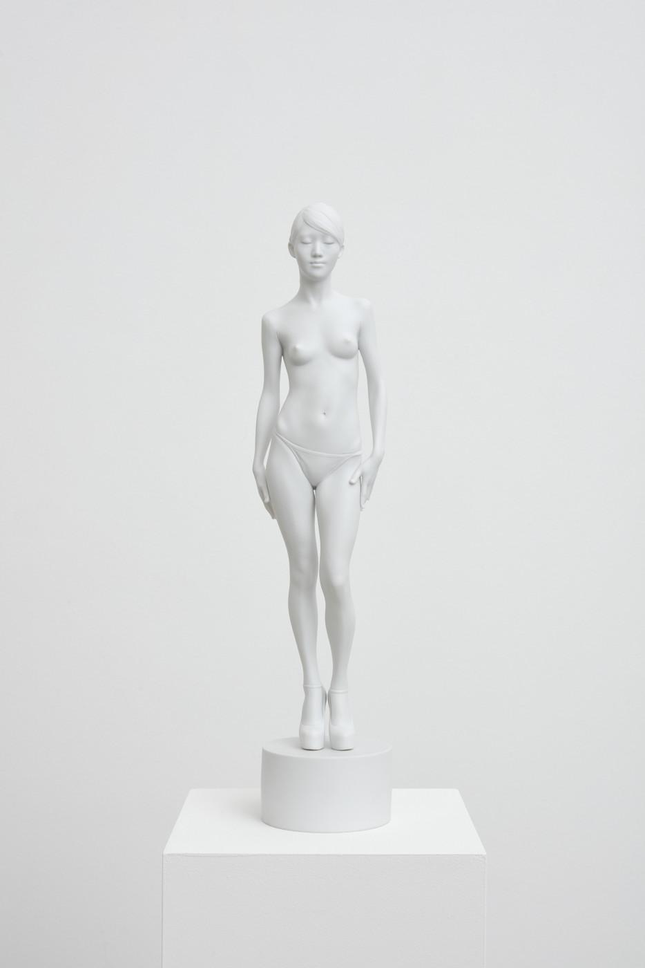 """<div class=""""artwork_caption""""><div class=""""title""""><em>Yoko XXXVI</em>, 2013</div><div class=""""medium"""">porcelain</div><div class=""""dimensions"""">41.0 x 9.4 cm<br />16 1/8 x 3 11/16 in.</div></div>"""