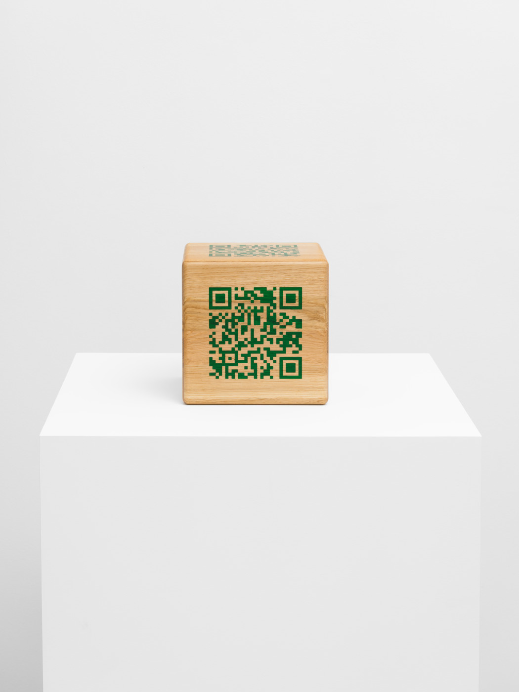 "<div class=""artwork_caption""><div class=""title""><em>6 Sides of Scott Mendes</em></div><div class=""medium"">oak panels, epoxy adhesive, trans emerald epoxy filler</div><div class=""dimensions"">Cube size : 21.5 x 21.5 x 21.5 cm<br />QR–Code size : 13.5 x 13.5 cm (each side has an individual code in the same size)</div></div><div class=""link""><span class=""website_contact_form"" data-contact-form-details=""6 Sides of Scott Mendes  oak panels, epoxy adhesive, trans emerald epoxy filler  Cube size : 21.5 x 21.5 x 21.5 cm QR–Code size : 13.5 x 13.5 cm (each side has an individual code in the same size)"" data-contact-form-image=""https://artlogic-res.cloudinary.com/w_200,h_200,c_fill,f_auto,fl_lossy/ws-sadiecoles/usr/exhibitions/images/exhibitions/865/hq24-db17550_qr-code_8.jpeg"">Enquire</span></div>"