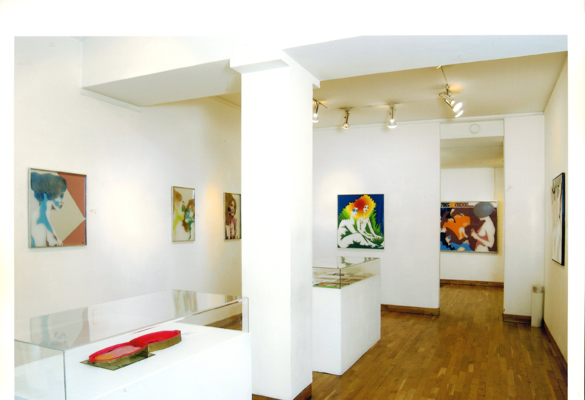 """<span class=""""link fancybox-details-link""""><a href=""""/exhibitions/119/works/image_standalone501/"""">View Detail Page</a></span><p>EVELYNE AXELL   FROM POP ART TO PARADISE   24 MAR - 4 JUL 2005   Installation View</p>"""