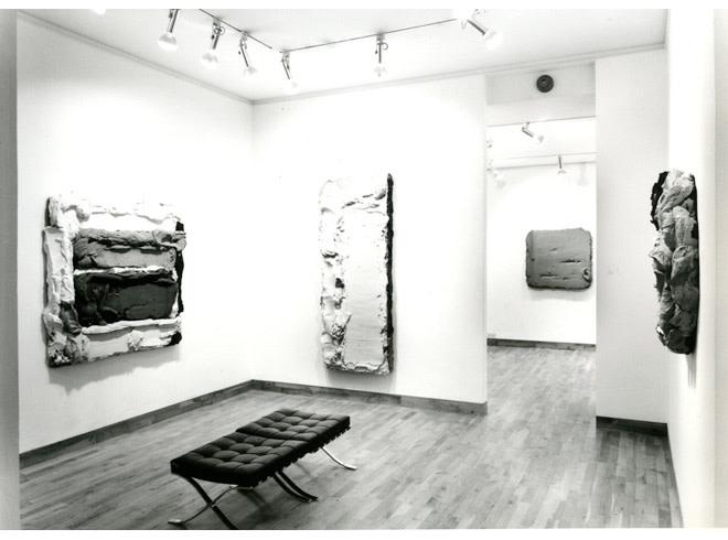 "<span class=""link fancybox-details-link""><a href=""/exhibitions/214/works/image_standalone1039/"">View Detail Page</a></span><p>BRAM BOGART | RECENT WORK | 30 NOV - 21 DEC 1990 | Installation View</p>"