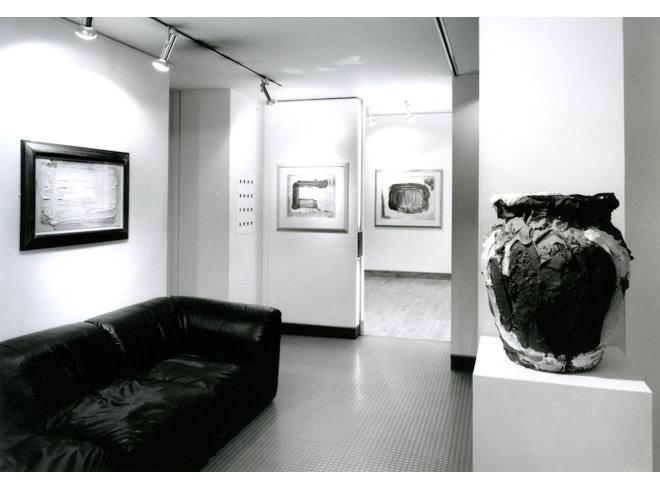 "<span class=""link fancybox-details-link""><a href=""/exhibitions/214/works/image_standalone1043/"">View Detail Page</a></span><p>BRAM BOGART | RECENT WORK | 30 NOV - 21 DEC 1990 | Installation View</p>"