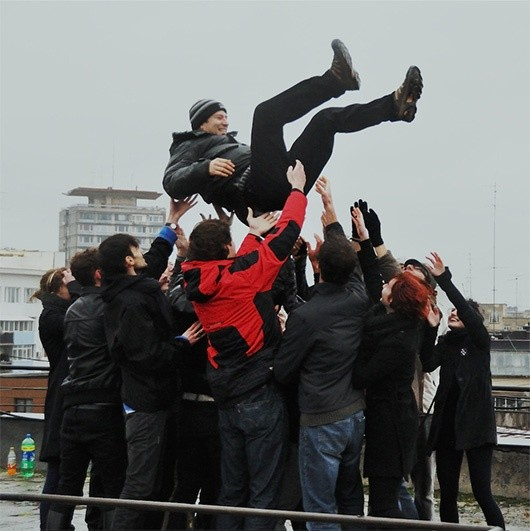 Tossing socialists in the air in Romania