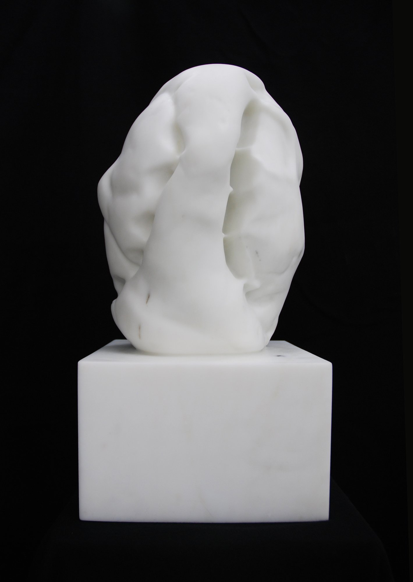Untitled (VIII), 2013, Statuario Michelangelo marble, 49 x 25 x 23.5 cm. Unique