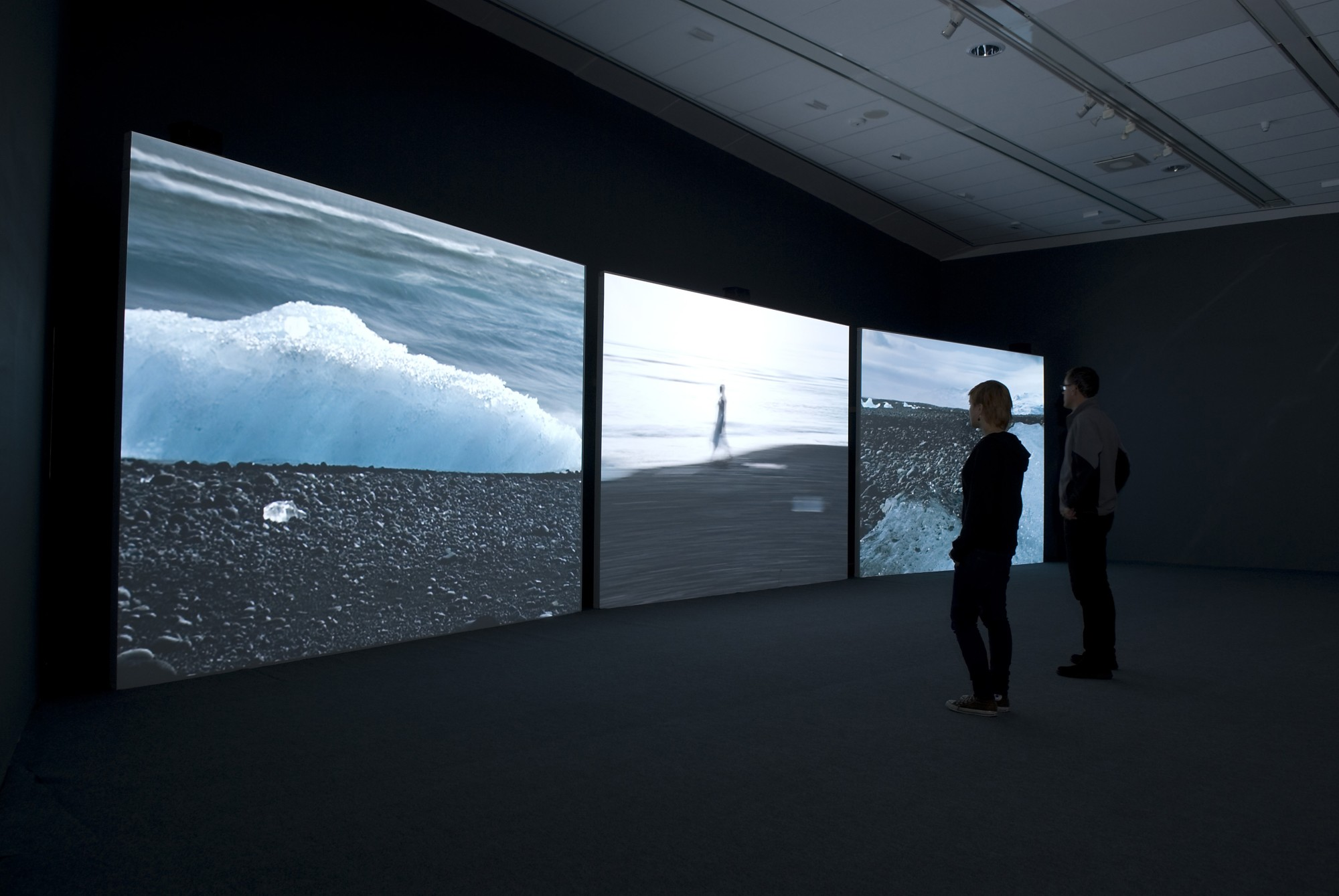 Isaac Julien: True North. Bildmuseet, Umeå University, 2007  14'' 20', three-screen projection, 16mm film transferred to DVD, black & white/colour, sound.
