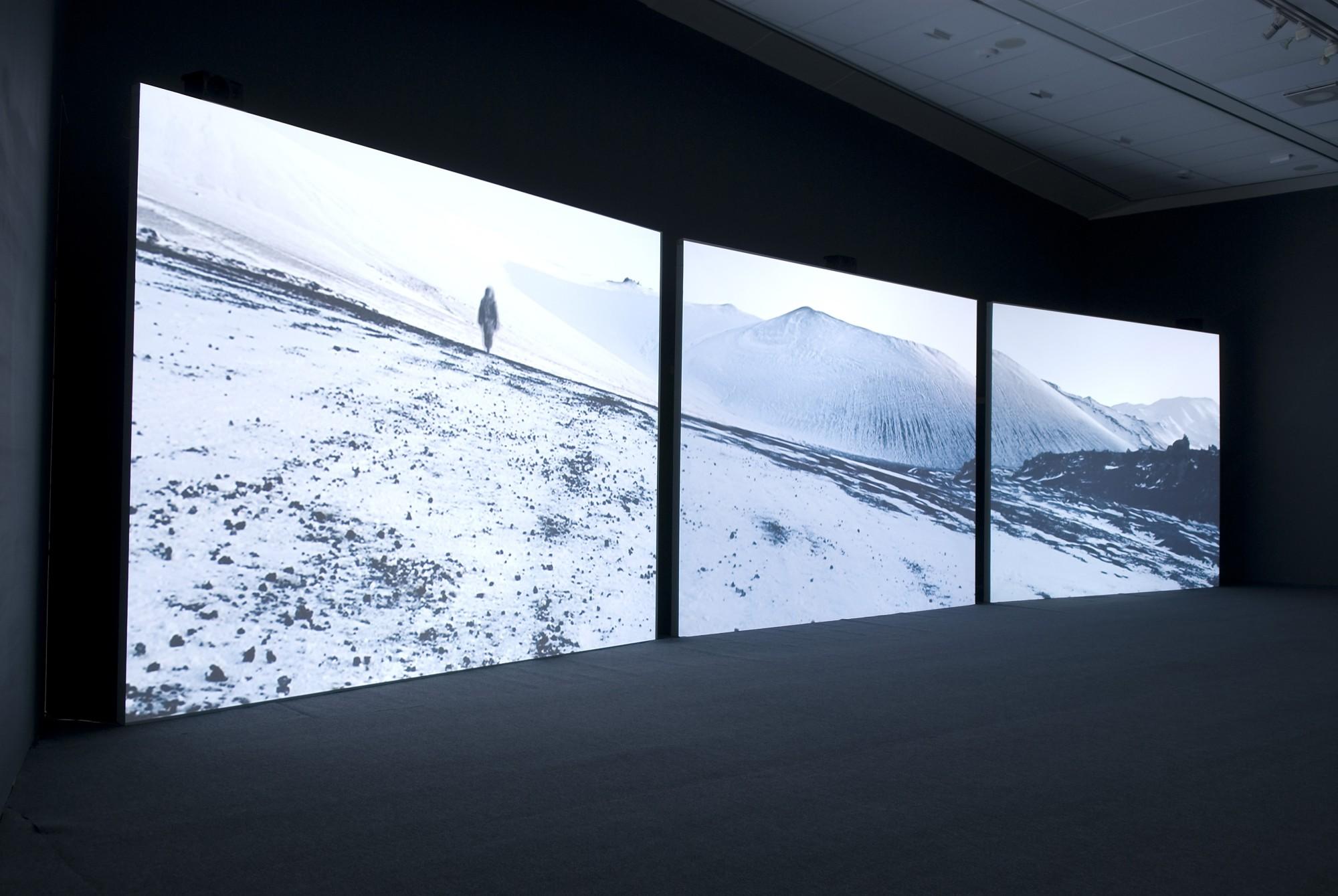 Isaac Julien: True North. Bildmuseet, Umeå University, 2007  14'' 20', three-screen projection, 16mm film transferred to DVD, black & white/colour, sound.