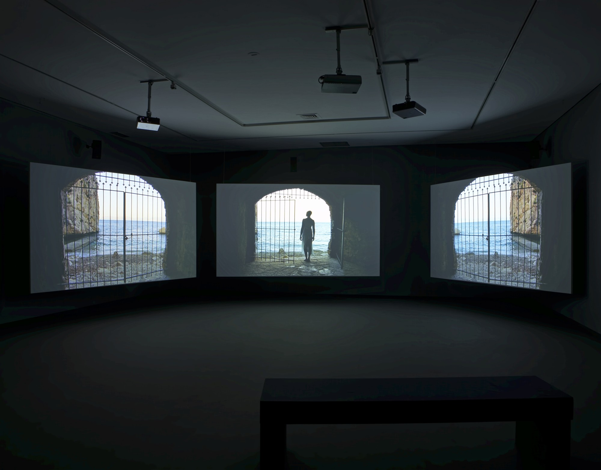 Western Union Small Boats. Galería Helga de Alvear, Madrid, 2008  18'22', three-screen film installation, 16mm film transferred to digital, colour, 5.1 sound