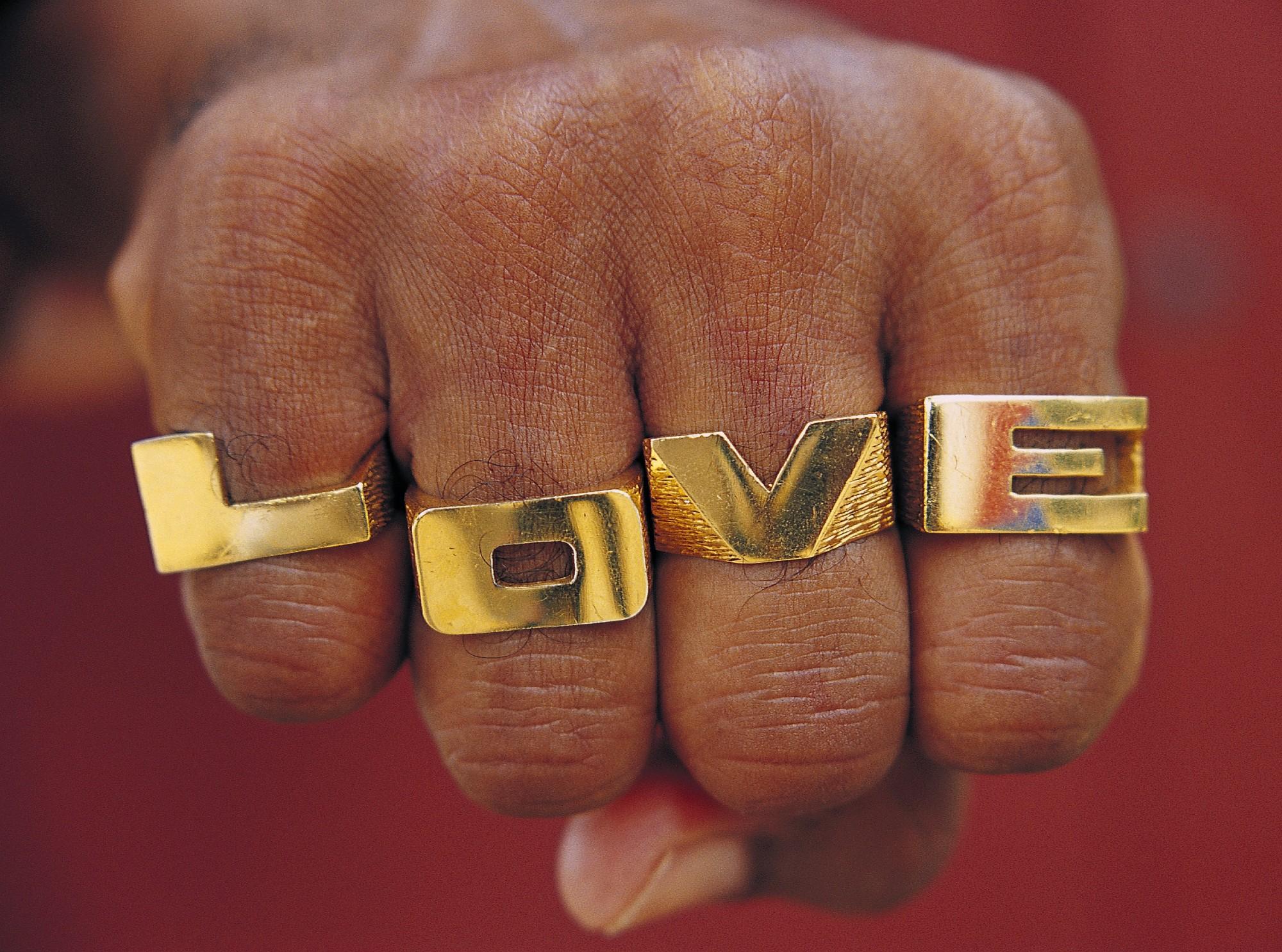 Ijs37 Love 2003