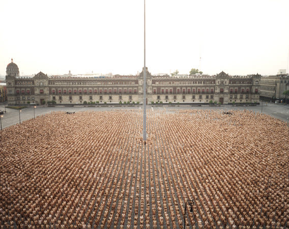 SPENCER TUNICK, Mexico City 3 (Zócalo), 2007, C-print mounted between plexi, 180.3 x 227 cm, 71.04 x 89.44 in