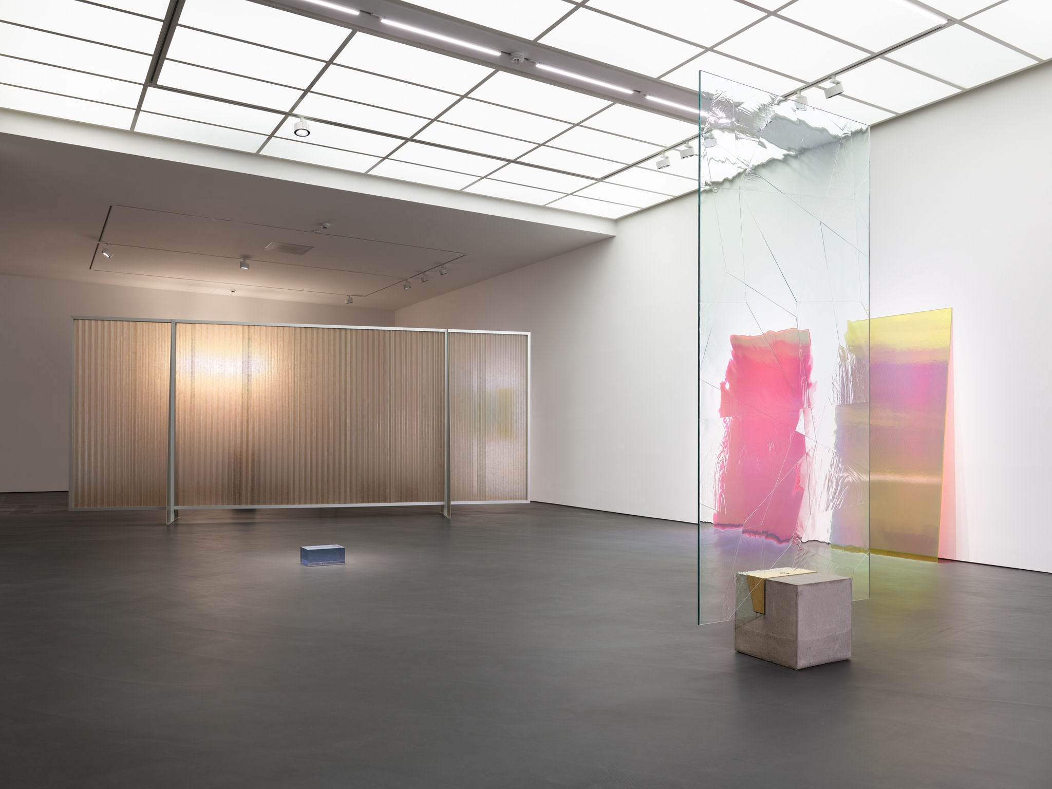 Ausstellungsansicht: PS81E, Esther Schipper, Berlin, 2020. Foto © Jörg von Bruchhausen