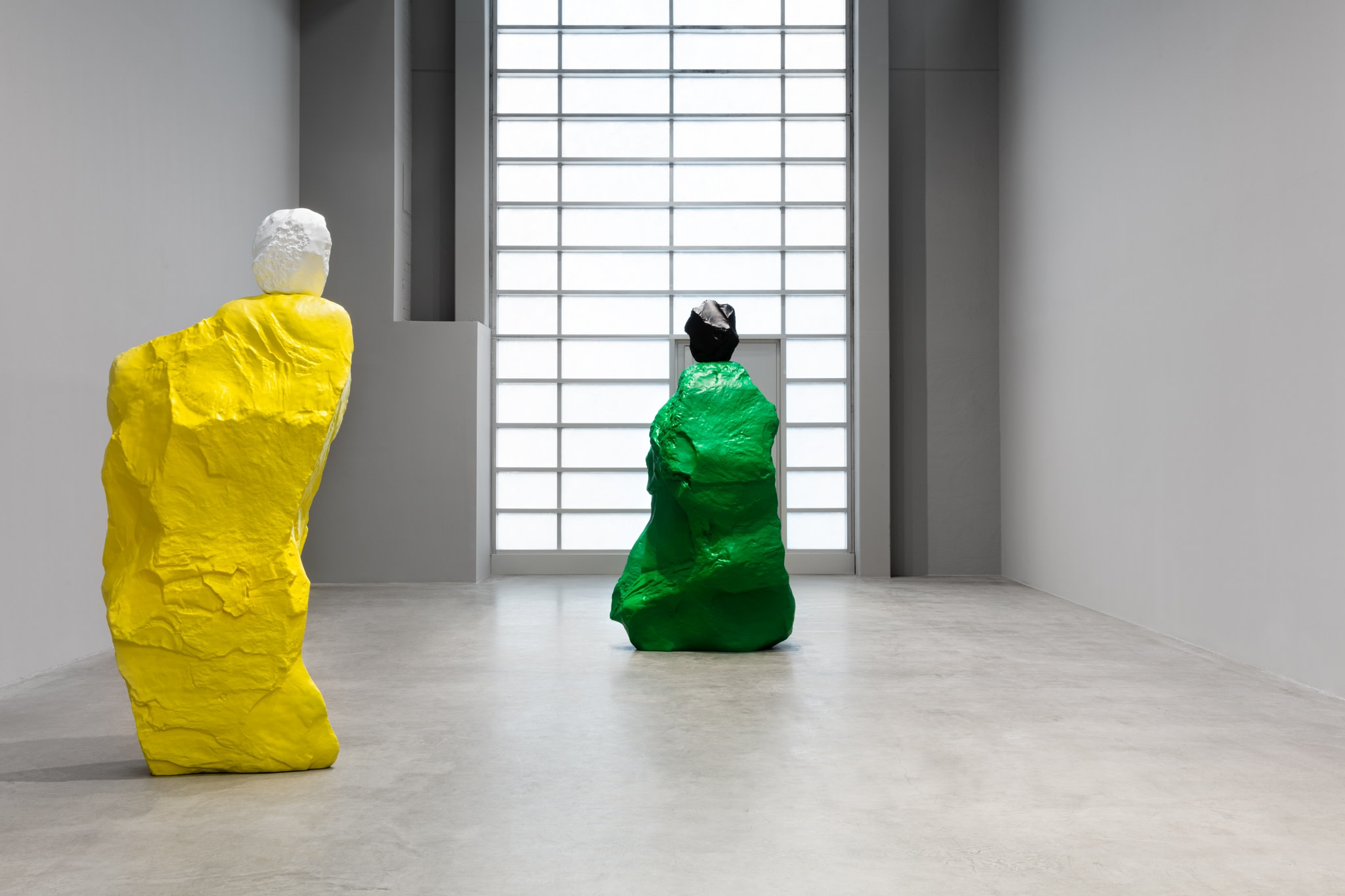 Exhibition view: Ugo Rondinone, nuns + monks, Esther Schipper, Berlin, 2020. Photo © Andrea Rossetti
