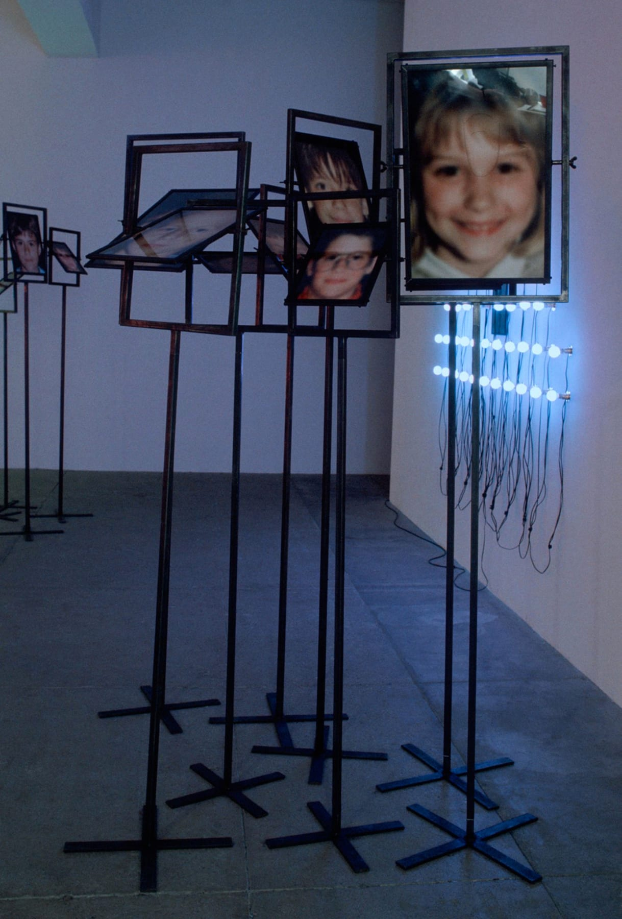 Christian Boltanski, Les Miroirs (9 photographs), 2000