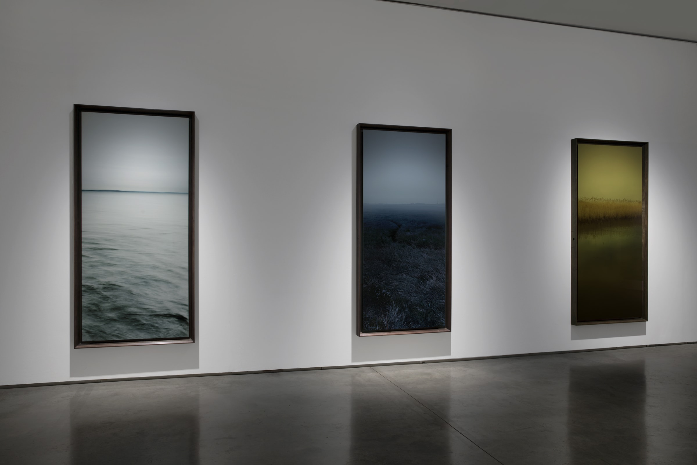Nadav Kander Dark Line - The Thames Estuary