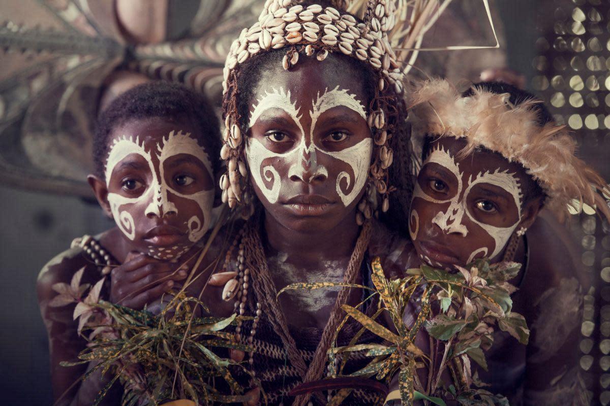 <span class=&#34;link fancybox-details-link&#34;><a href=&#34;/exhibitions/9/works/artworks4816/&#34;>View Detail Page</a></span><div class=&#34;medium&#34;>Iatmul   Yentchen village,<br /> Sepik River   Papua New Guinea 2017<br /> <br /> Archival print, Wooden frame with museum glass</div> <div class=&#34;dimensions&#34;>62 x 86 cm Price on request</div> <div class=&#34;edition_details&#34;>Edition 1 of 9</div>