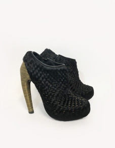 <span class=&#34;link fancybox-details-link&#34;><a href=&#34;/exhibitions/23/works/artworks5076/&#34;>View Detail Page</a></span><div class=&#34;medium&#34;>Application of chainmail upper and chainmail covered heel</div> <div class=&#34;dimensions&#34;><br /> Price on request</div> <div class=&#34;edition_details&#34;>Edition 15 of 20</div>