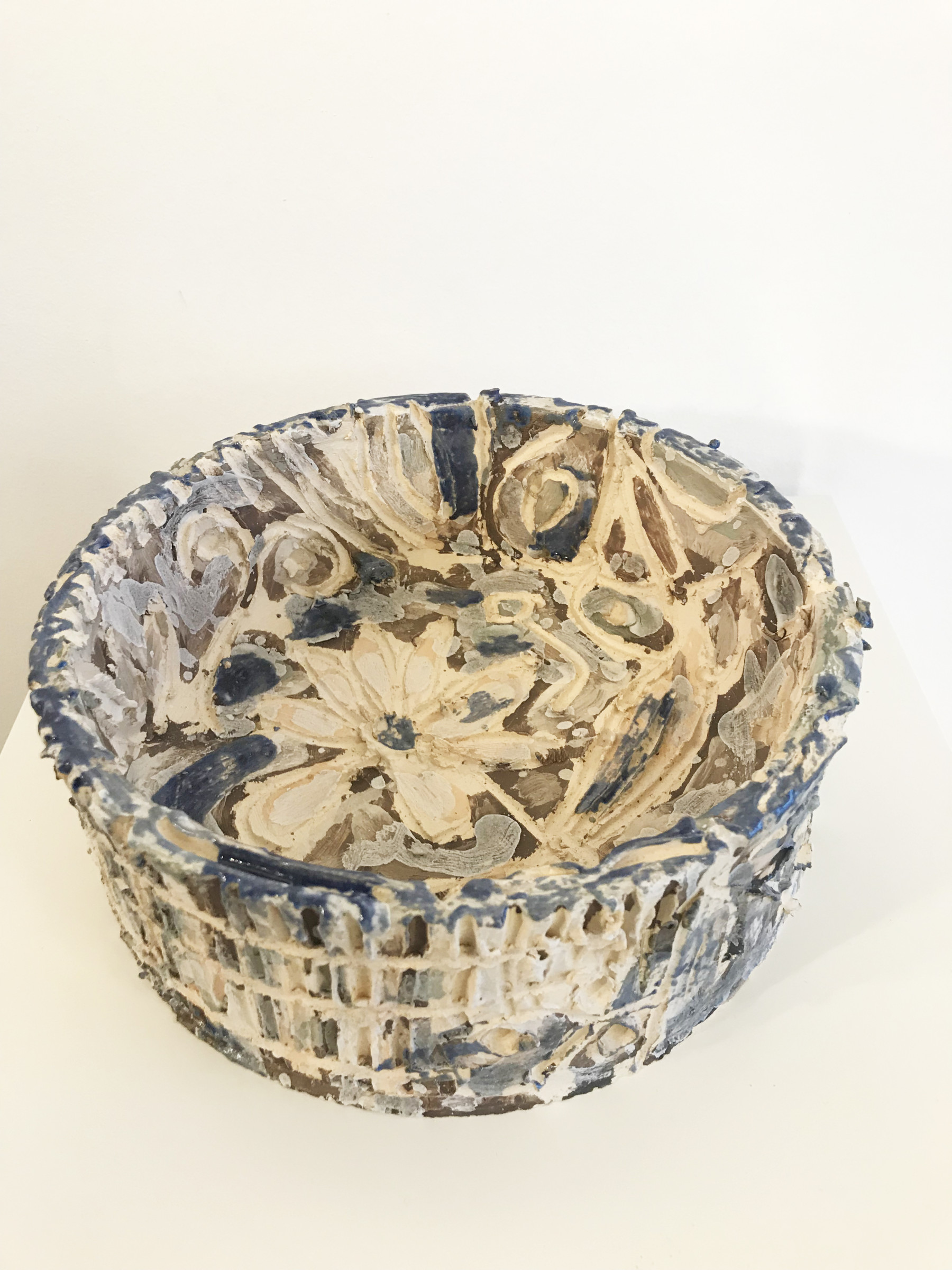 <span class=&#34;link fancybox-details-link&#34;><a href=&#34;/exhibitions/16/works/artworks5228/&#34;>View Detail Page</a></span><div class=&#34;medium&#34;>Ceramics</div> <div class=&#34;dimensions&#34;>9 x 20 cm</div>