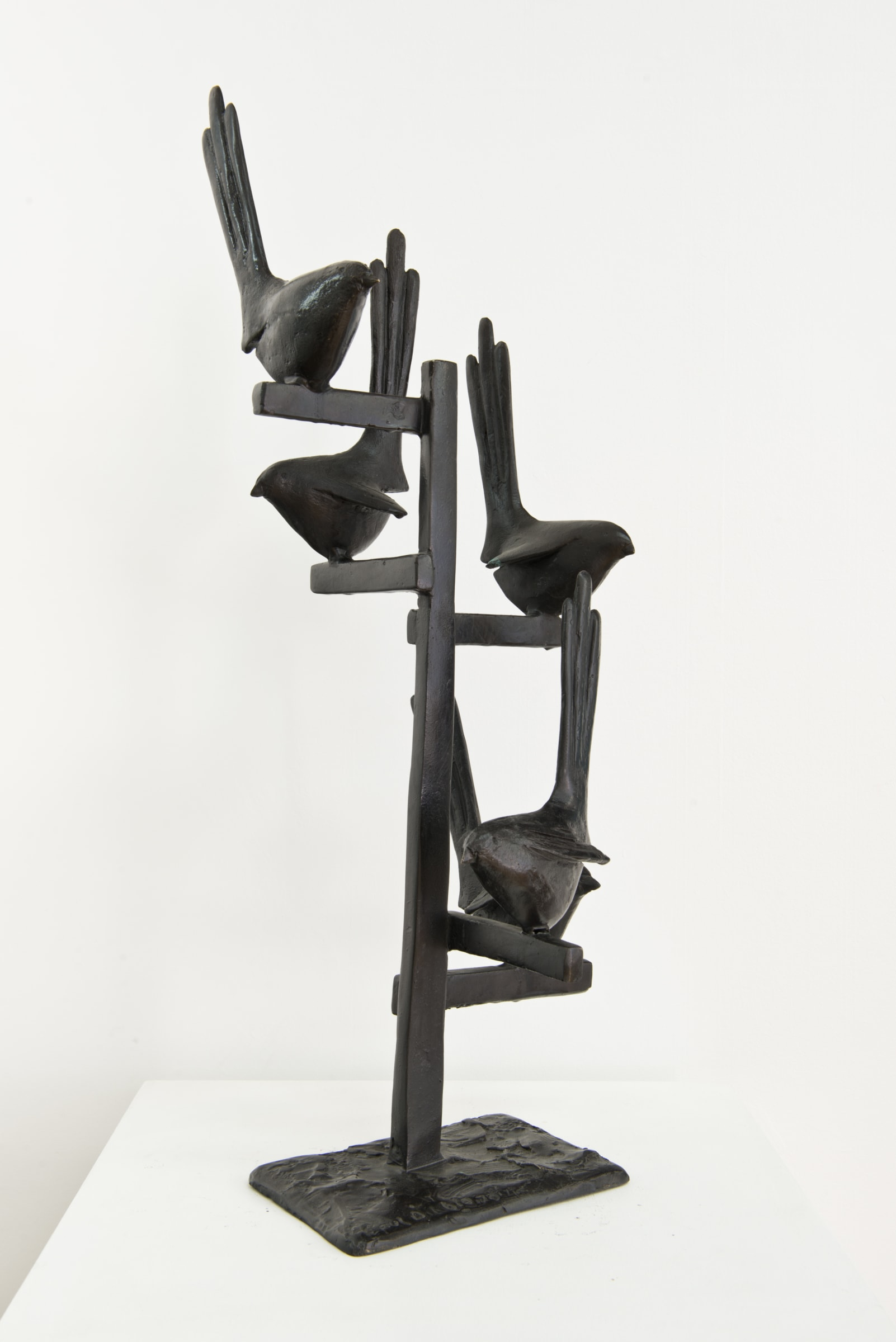 """<span class=""""link fancybox-details-link""""><a href=""""/exhibitions/44/works/artworks6243/"""">View Detail Page</a></span><div class=""""medium"""">Cast Patinated Bronze</div> <div class=""""dimensions"""">27.6 x 9.4 x 7.1 in<br />70 x 24 x 18 cm</div>"""