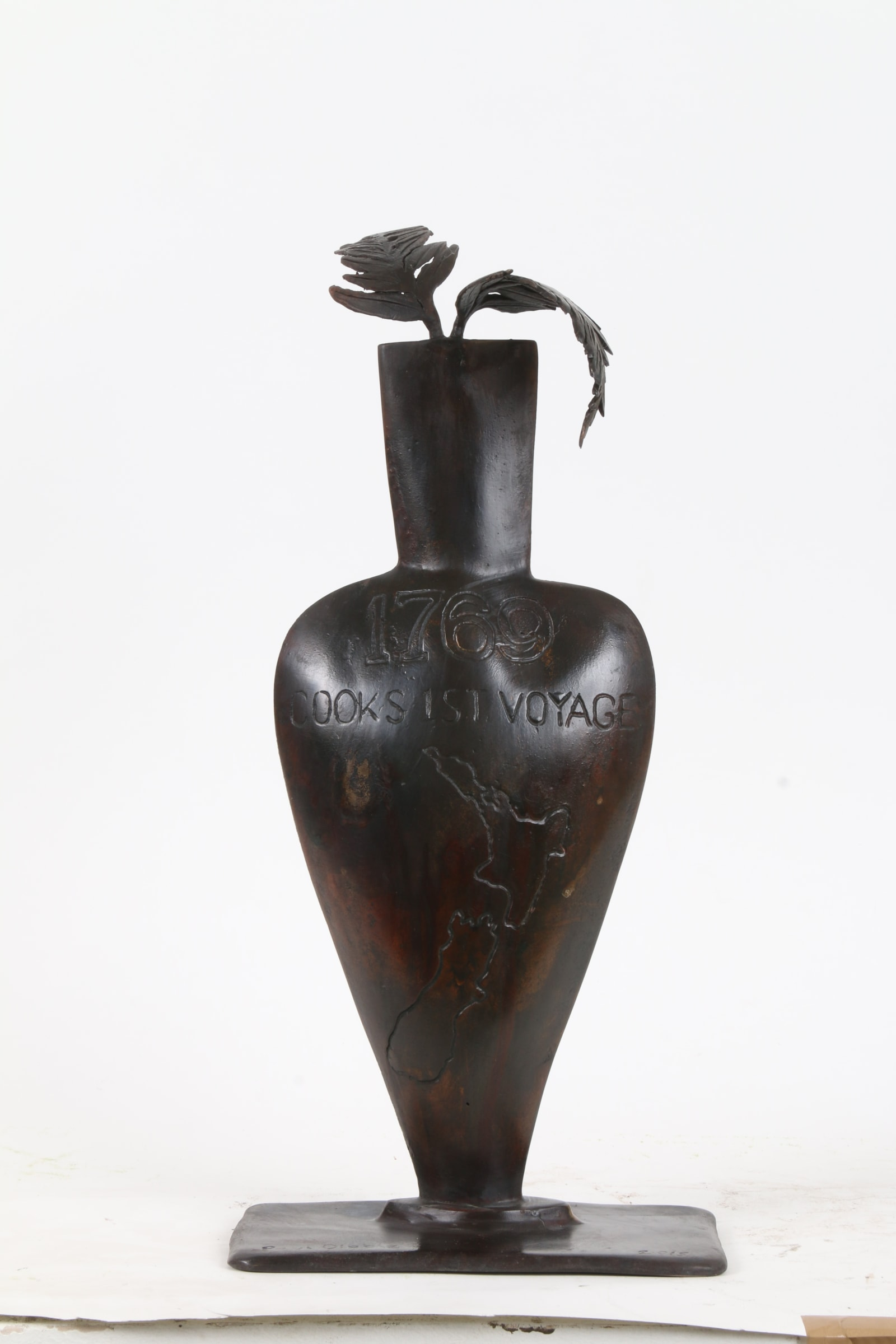 """<span class=""""link fancybox-details-link""""><a href=""""/exhibitions/44/works/artworks6237/"""">View Detail Page</a></span><div class=""""medium"""">Cast Patinated Bronze</div> <div class=""""dimensions"""">19.7 x 8.7 x 5.1 in<br />50 x 22 x 13 cm</div>"""