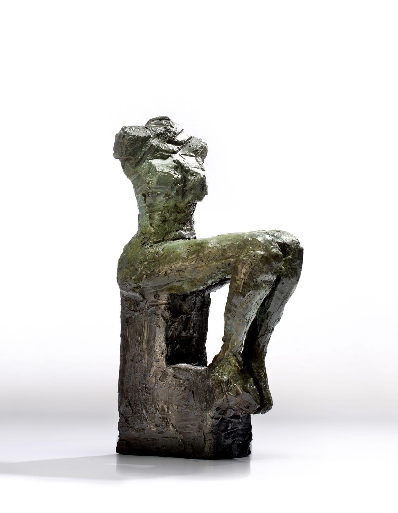 "<span class=""link fancybox-details-link""><a href=""/artworks/1663-emilio-diiorio-2014/"">View Detail Page</a></span><div class=""artist""><strong>Emilio DiIorio</strong></div> 2014 <div class=""medium"">bronze</div> <div class=""dimensions"">33"" x 11"" x 19""</div><div class=""copyright_line"">Copyright The Artist</div>"