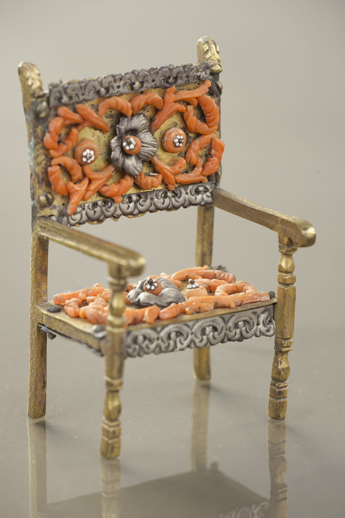 https://artlogic-res.cloudinary.com/w_2400,h_2400,c_limit,f_auto,fl_lossy,q_auto/artlogicstorage/brunfineart/images/view/75ba115c2ead62b0f6c71e9e8e0c2b1799239b55/brunfineart-trapani-miniature-furniture-17th-18th-century.jpg