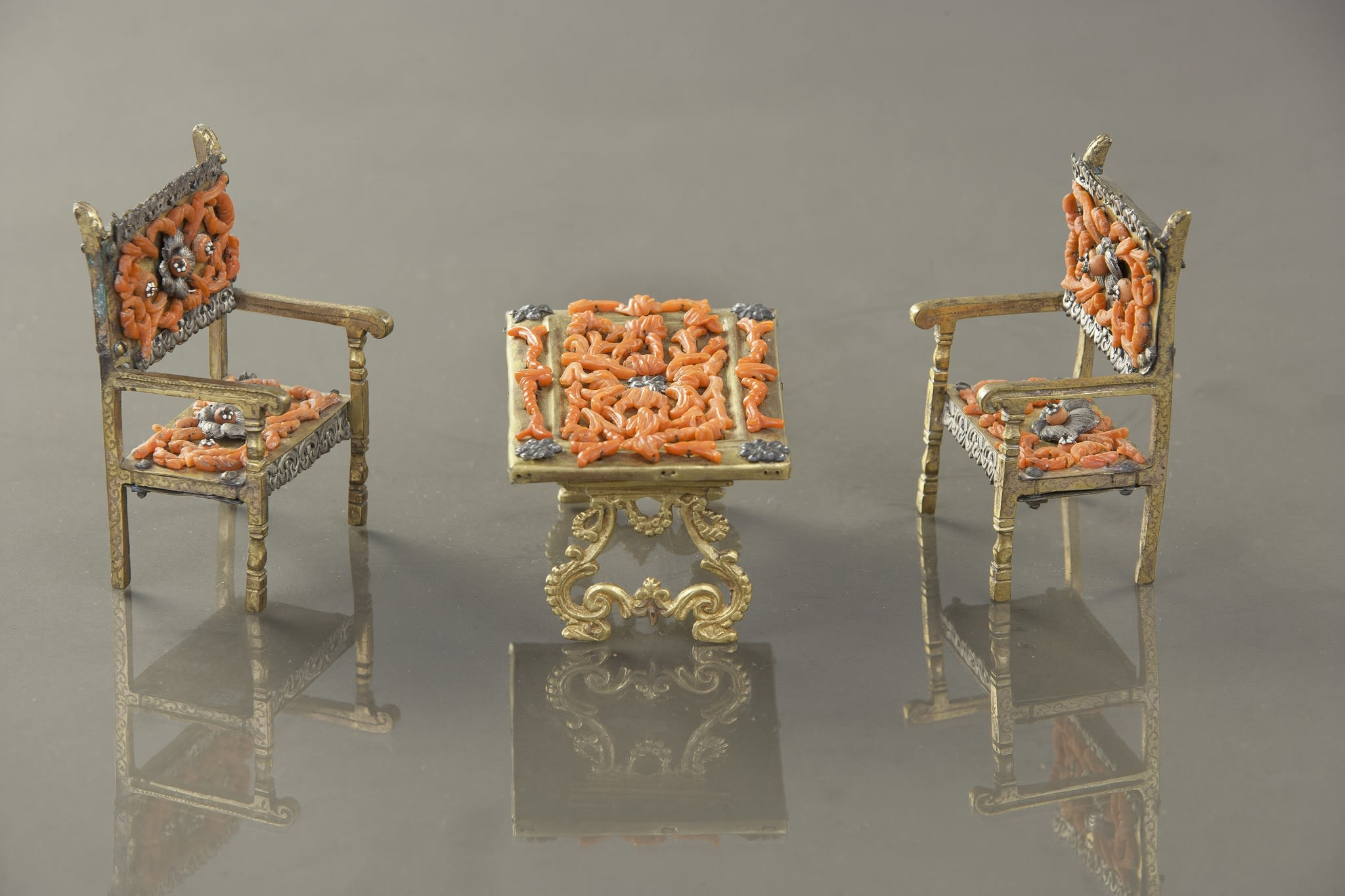 https://artlogic-res.cloudinary.com/w_2400,h_2400,c_limit,f_auto,fl_lossy,q_auto/artlogicstorage/brunfineart/images/view/8f038acd0d5523a45fa91b7df31fffb7de1eb29c/brunfineart-trapani-miniature-furniture-17th-18th-century.jpg