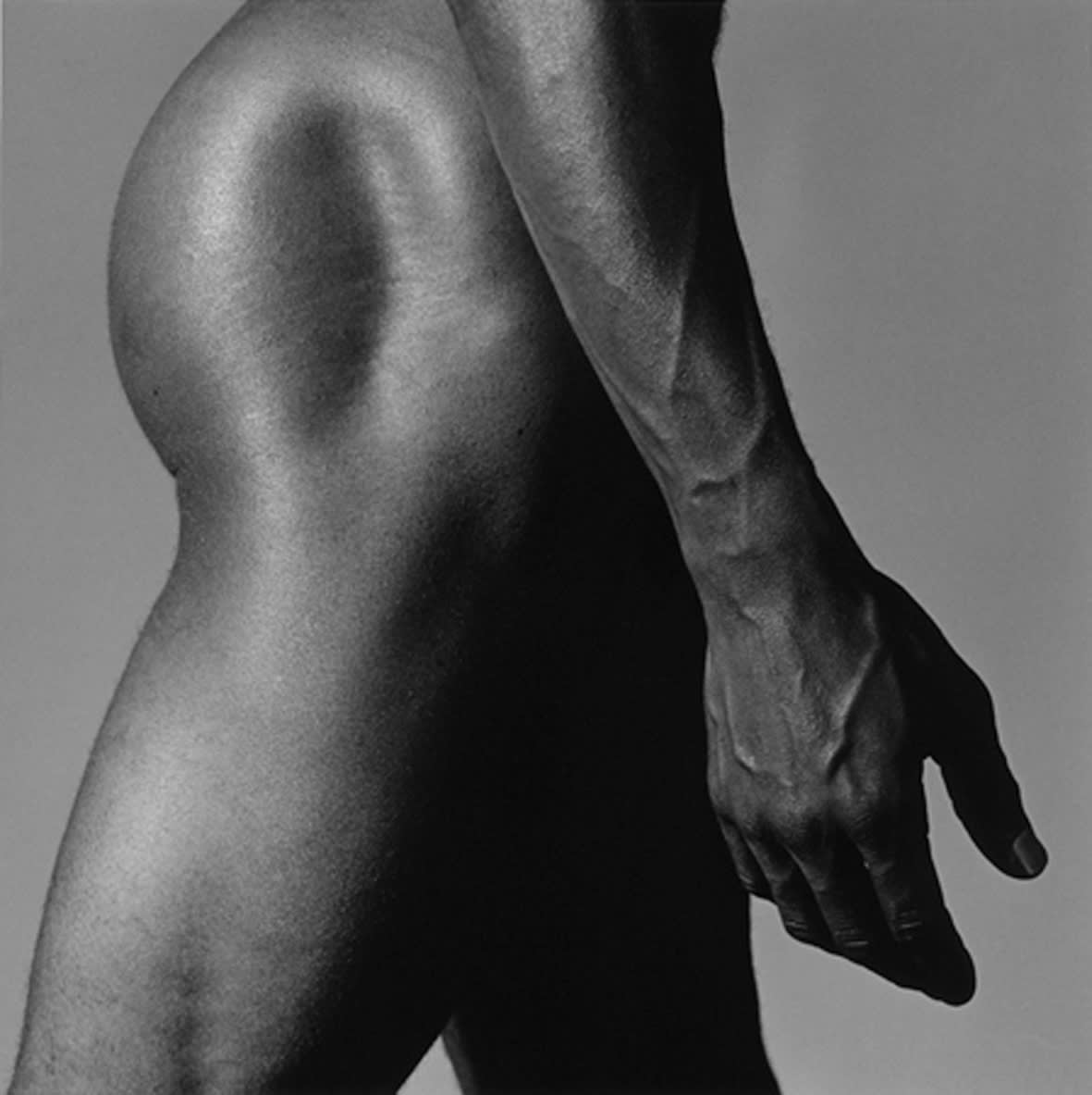 """<span class=""""link fancybox-details-link""""><a href=""""/exhibitions/120/works/artworks7740/"""">View Detail Page</a></span><div class=""""artist""""><strong> Robert Mapplethorpe</strong></div><div class=""""title""""><em>Alistair Butler</em>, 1980 / printed 2009</div><div class=""""signed_and_dated"""">unsigned</div><div class=""""medium"""">gelatin silver print</div><div class=""""dimensions"""">image: 35.1 x 35.20 cm<br>framed: 58.9 x 54.2 cm</div><div class=""""edition_details""""></div>"""
