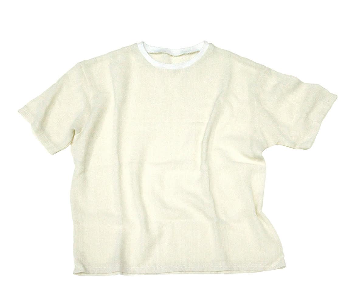 """<span class=""""link fancybox-details-link""""><a href=""""/artists/137-arna-ottarsdottir/works/12149/"""">View Detail Page</a></span><div class=""""artist""""><strong>ARNA ÓTTARSDÓTTIR</strong></div> <div class=""""title""""><em>T-shirt </em>, 2014</div> <div class=""""medium"""">cotton</div>"""