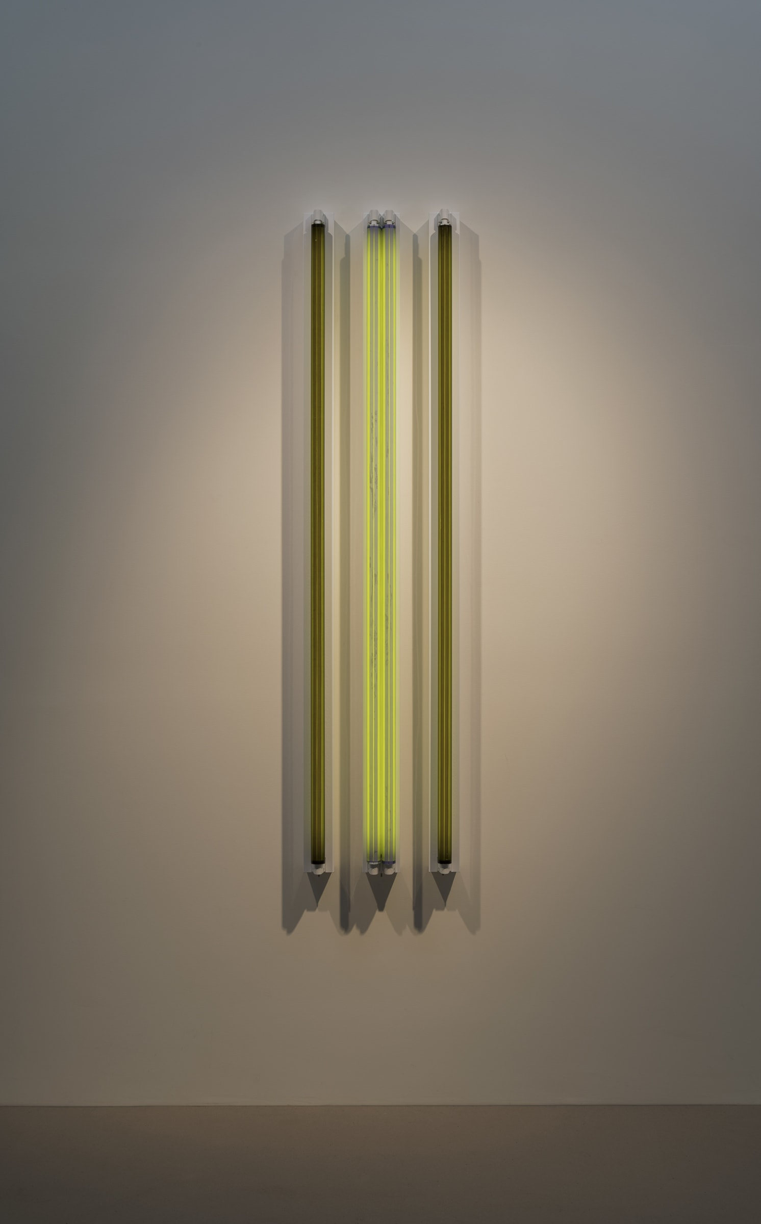"<span class=""link fancybox-details-link""><a href=""/exhibitions/160/works/artworks14395/"">View Detail Page</a></span><div class=""artist""><strong>ROBERT IRWIN</strong></div><div class=""title""><em>#3x 6'D Four Fold</em>, 2016</div><div class=""medium"">light, shadow, reflection, color<br>Dijon / Mineral green + 702 / Dijon</div><div class=""dimensions"">182.9 x 41 x 11 cm<br>72 1/8 x 16 1/8 x 4 in</div>"
