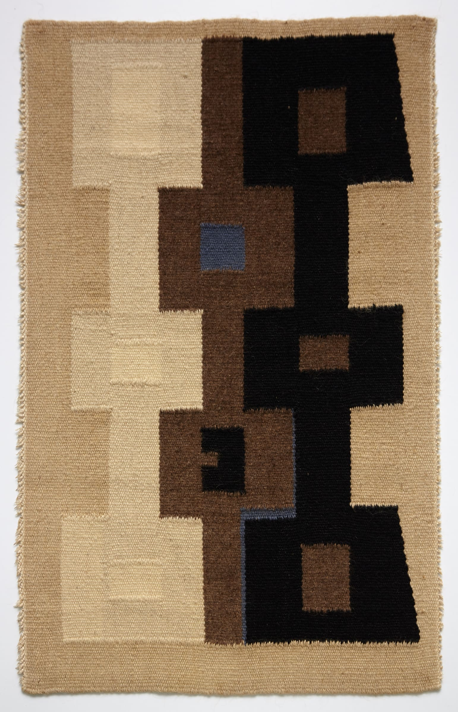 "<span class=""link fancybox-details-link""><a href=""/exhibitions/171/works/artworks15507/"">View Detail Page</a></span><div class=""artist""><strong>Ásgerður Búadóttir</strong></div><div class=""title""><em>Untitled</em>, ca 1960</div><div class=""medium"">wool</div><div class=""dimensions"">79 x 48 cm</div>"