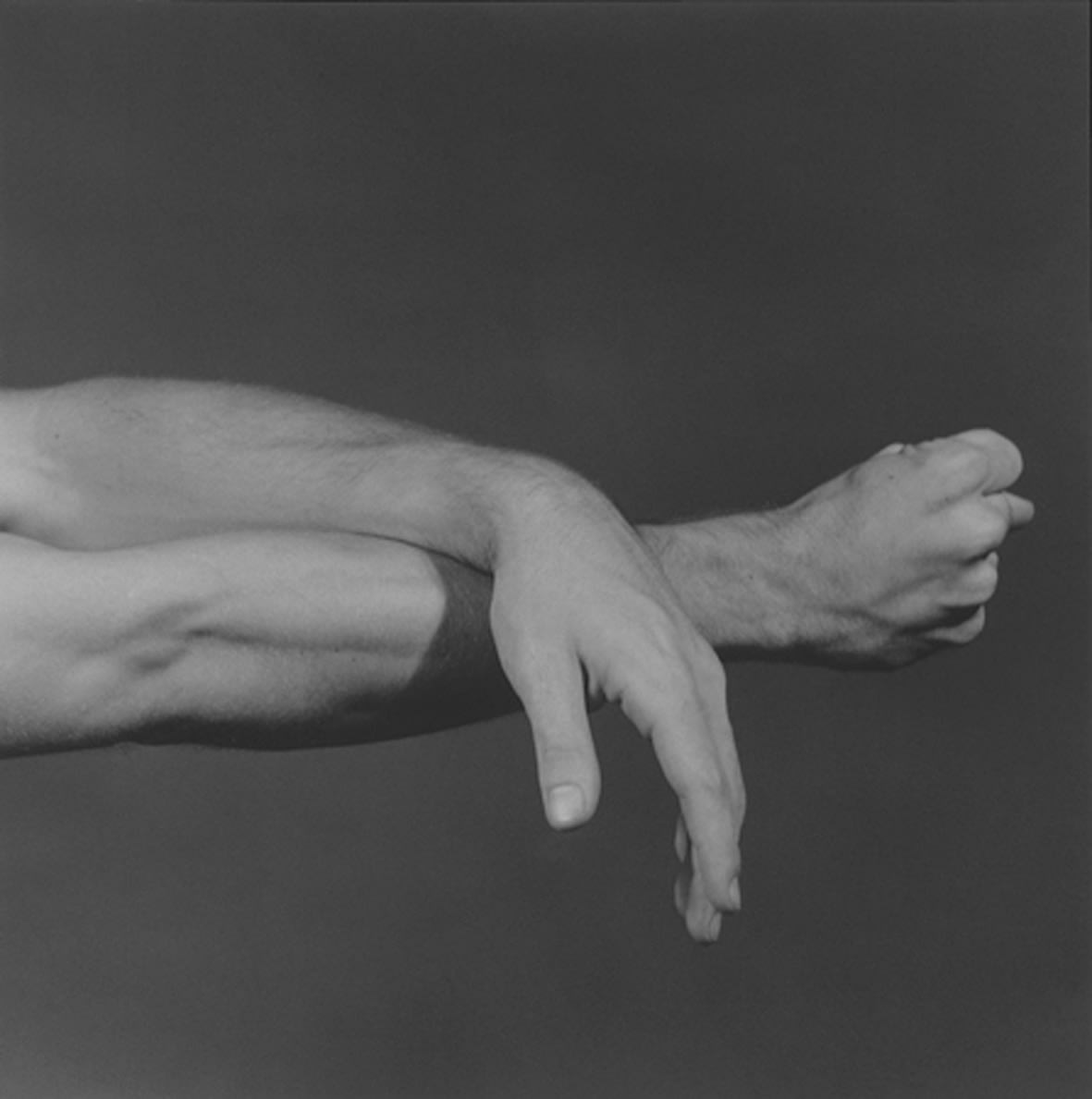 """<span class=""""link fancybox-details-link""""><a href=""""/exhibitions/120/works/artworks7743/"""">View Detail Page</a></span><div class=""""artist""""><strong> Robert Mapplethorpe</strong></div><div class=""""title""""><em>NYC Contemporary Ballet</em>, 1980 / printed 2010</div><div class=""""signed_and_dated"""">unsigned</div><div class=""""medium"""">gelatin silver print</div><div class=""""dimensions"""">image: 35.10 x 35.10 cm<br>framed: 58.7 x 54.3 cm</div><div class=""""edition_details""""></div>"""