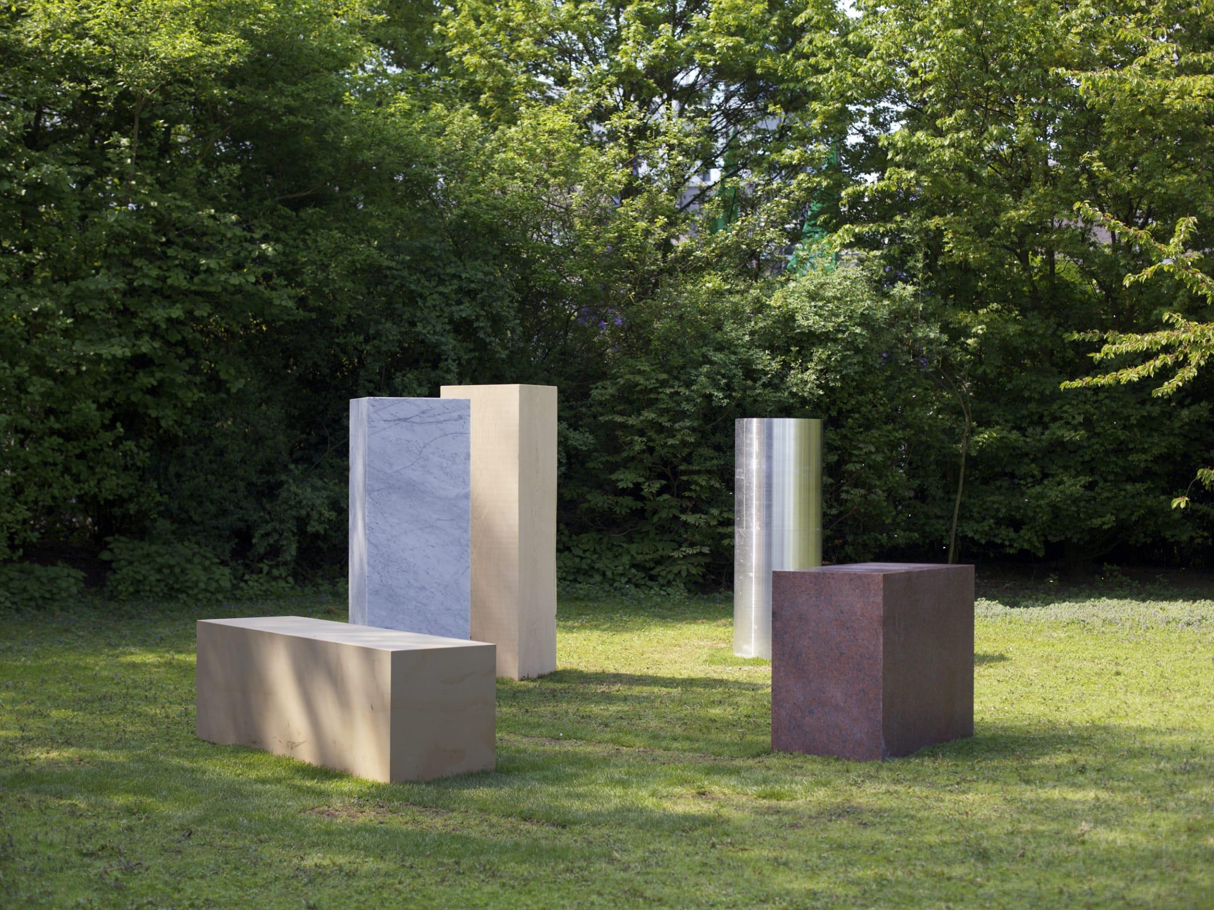 "<span class=""link fancybox-details-link""><a href=""/artists/36-alicja-kwade/works/15126/"">View Detail Page</a></span><div class=""artist""><strong>ALICJA KWADE</strong></div> <div class=""title""><em>Anschauungsvorstellung</em>, 2013</div> <div class=""medium"">Carrara marble, rose granite, oak, aluminium, sandstone dimensions variable</div>"