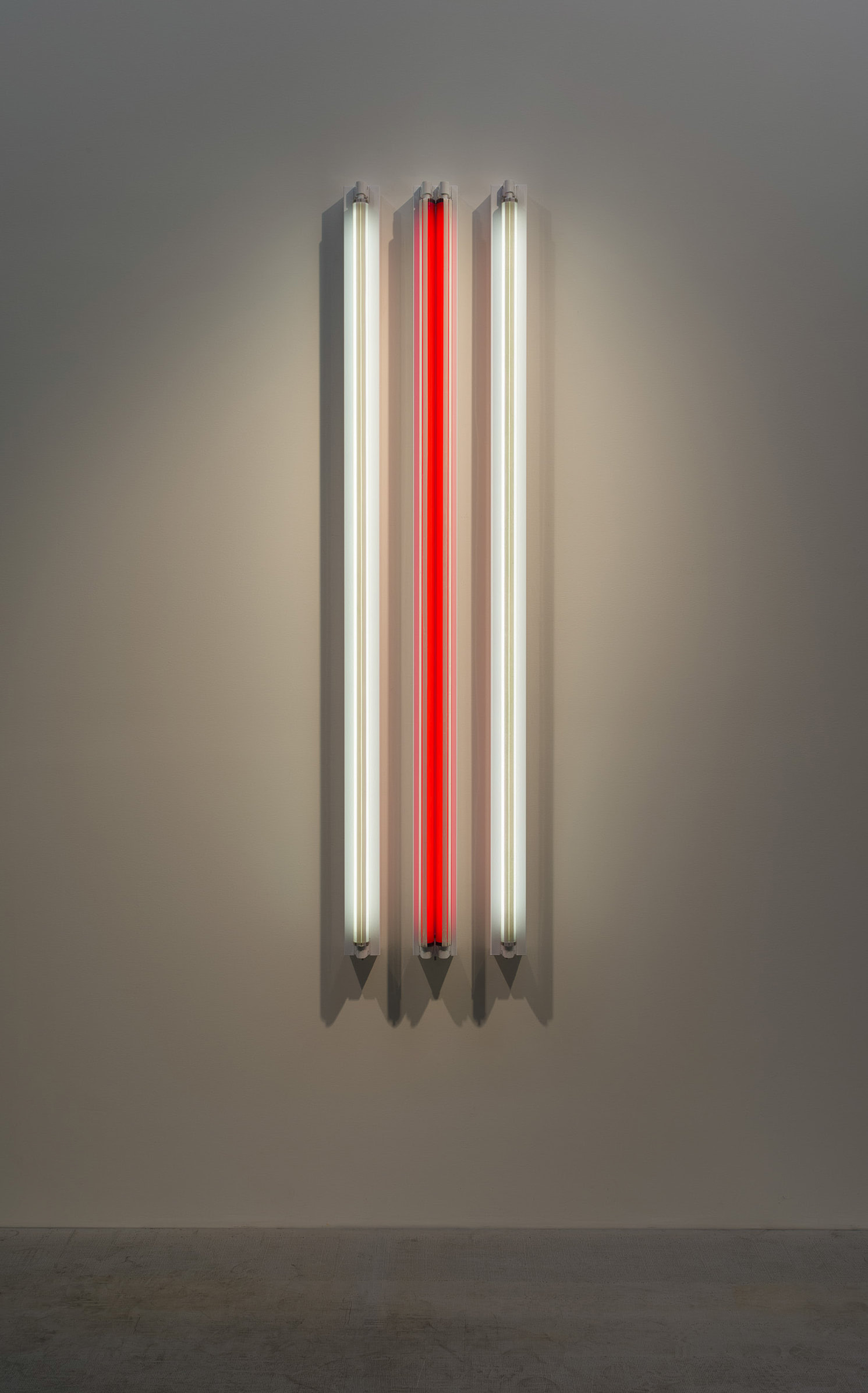 "<span class=""link fancybox-details-link""><a href=""/exhibitions/160/works/artworks14398/"">View Detail Page</a></span><div class=""artist""><strong>ROBERT IRWIN</strong></div><div class=""title""><em>#3x 6'D Four Fold</em>, 2016</div><div class=""medium"">light, shadow, reflection, color<br>Grey #3 / Red TWS <--> / Grey #3</div><div class=""dimensions"">182.9 x 41 x 11 cm<br>72 1/8 x 16 1/8 x 4 in</div>"