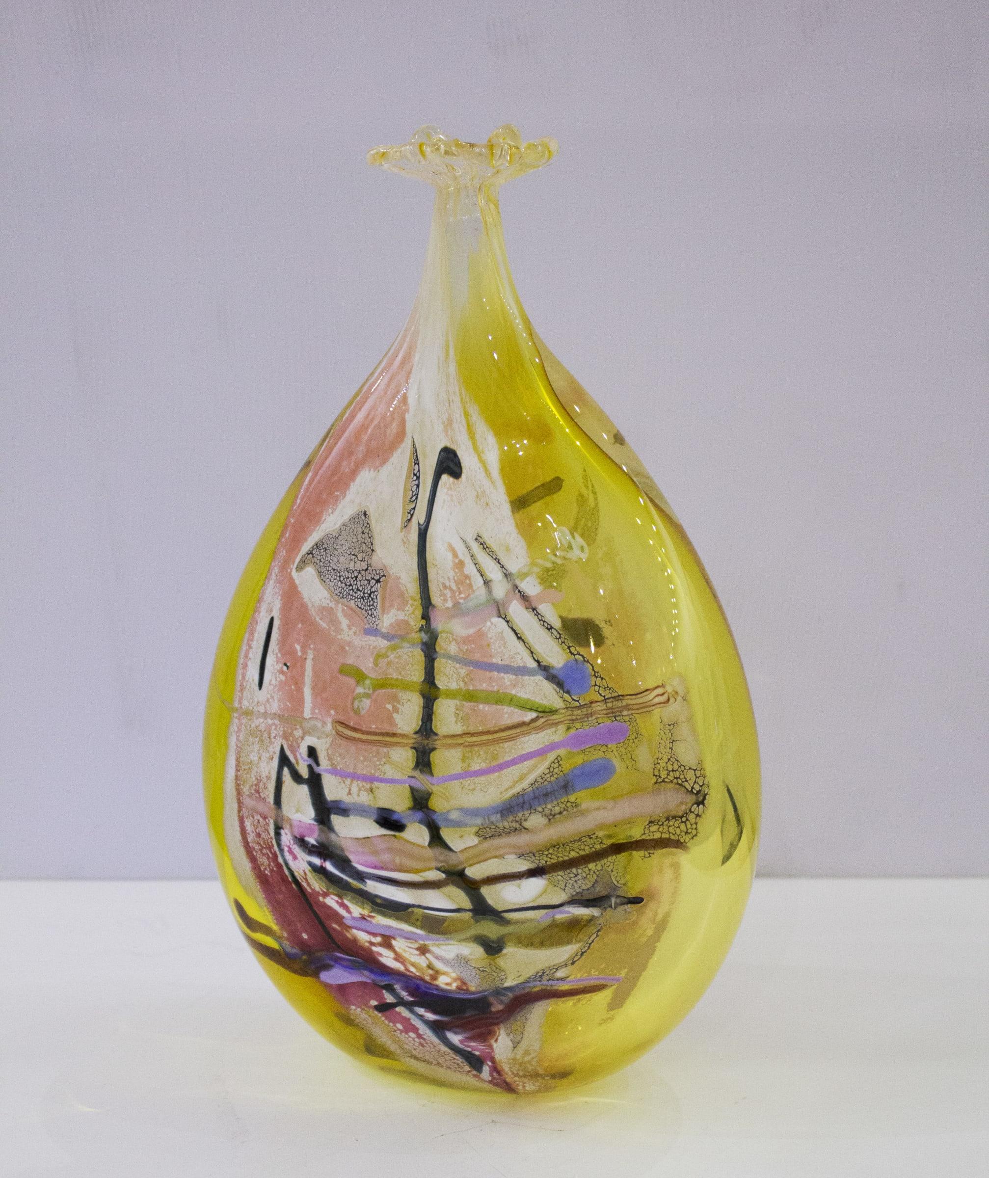 <span class=&#34;link fancybox-details-link&#34;><a href=&#34;/artists/35-maxi-pretorius/works/2953-maxi-pretorius-vase-yellow-2018/&#34;>View Detail Page</a></span><div class=&#34;artist&#34;><strong>Maxi Pretorius</strong></div> <div class=&#34;title&#34;><em>Vase (Yellow)</em>, 2018</div> <div class=&#34;medium&#34;>Handmade Glass Creation</div> <div class=&#34;dimensions&#34;>29 cm  x 18.5cm  x 8cm</div><div class=&#34;price&#34;>R5,500.00</div>
