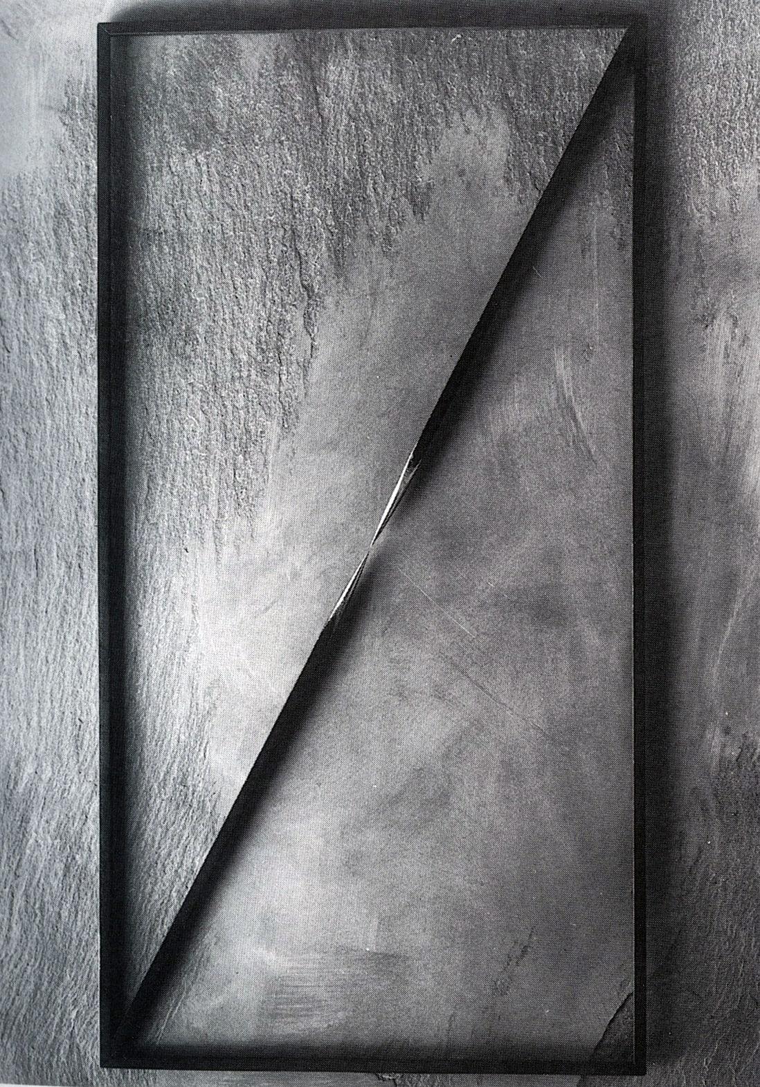 "<span class=""link fancybox-details-link""><a href=""/artists/51-paolo-icaro/works/236-paolo-icaro-luogo-del-punto-diagonale-1973/"">View Detail Page</a></span><div class=""artist""><strong>Paolo Icaro</strong></div> <div class=""title""><em>Luogo del punto diagonale  </em>, 1973</div> <div class=""medium"">acciaio dipinto nero</div> <div class=""dimensions"">cm 80 x 42</div><div class=""copyright_line"">Copyright Lorenzelli Arte</div>"