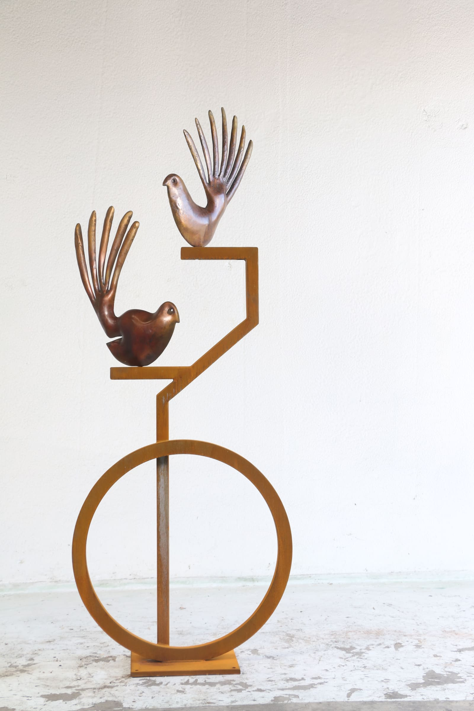 "<span class=""link fancybox-details-link""><a href=""/artists/50-paul-dibble/works/7160-paul-dibble-two-fantails-on-corten-2017/"">View Detail Page</a></span><div class=""artist""><strong>Paul DIBBLE</strong></div> <div class=""title""><em>Two Fantails on Corten</em>, 2017</div> <div class=""medium"">Cast bronze and Corten steel</div> <div class=""dimensions"">86.6 x 35.4 x 14.2 in<br />220 x 90 x 36 cm</div>"