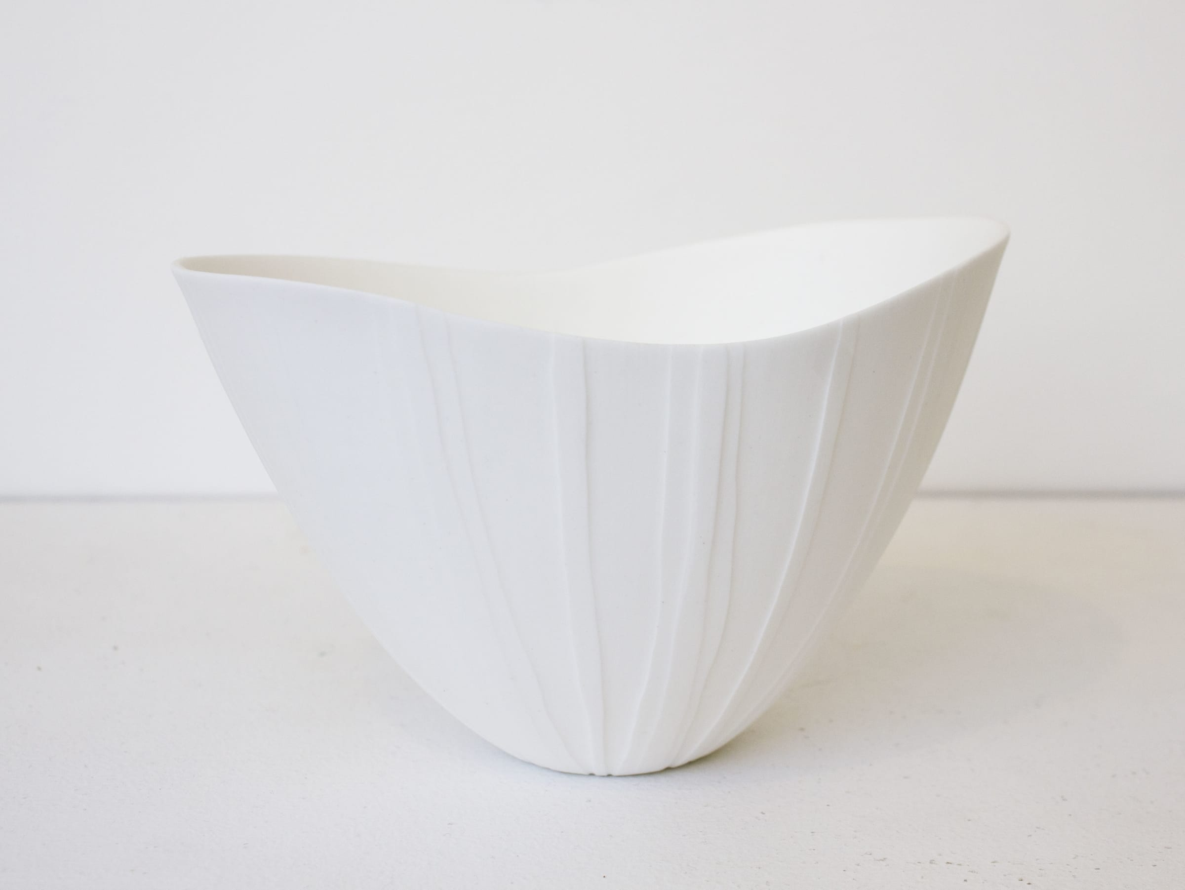 "<span class=""link fancybox-details-link""><a href=""/artists/60-sasha-wardell/works/7790-sasha-wardell-veil-ripple-bowl-2021/"">View Detail Page</a></span><div class=""artist""><strong>Sasha Wardell</strong></div> <div class=""title""><em>'Veil' Ripple Bowl</em>, 2021</div> <div class=""medium"">bone china</div> <div class=""dimensions"">h. 10 cm</div><div class=""price"">£165.00</div><div class=""copyright_line"">Own Art: £16.50 x 10 Months, 0% APR</div>"