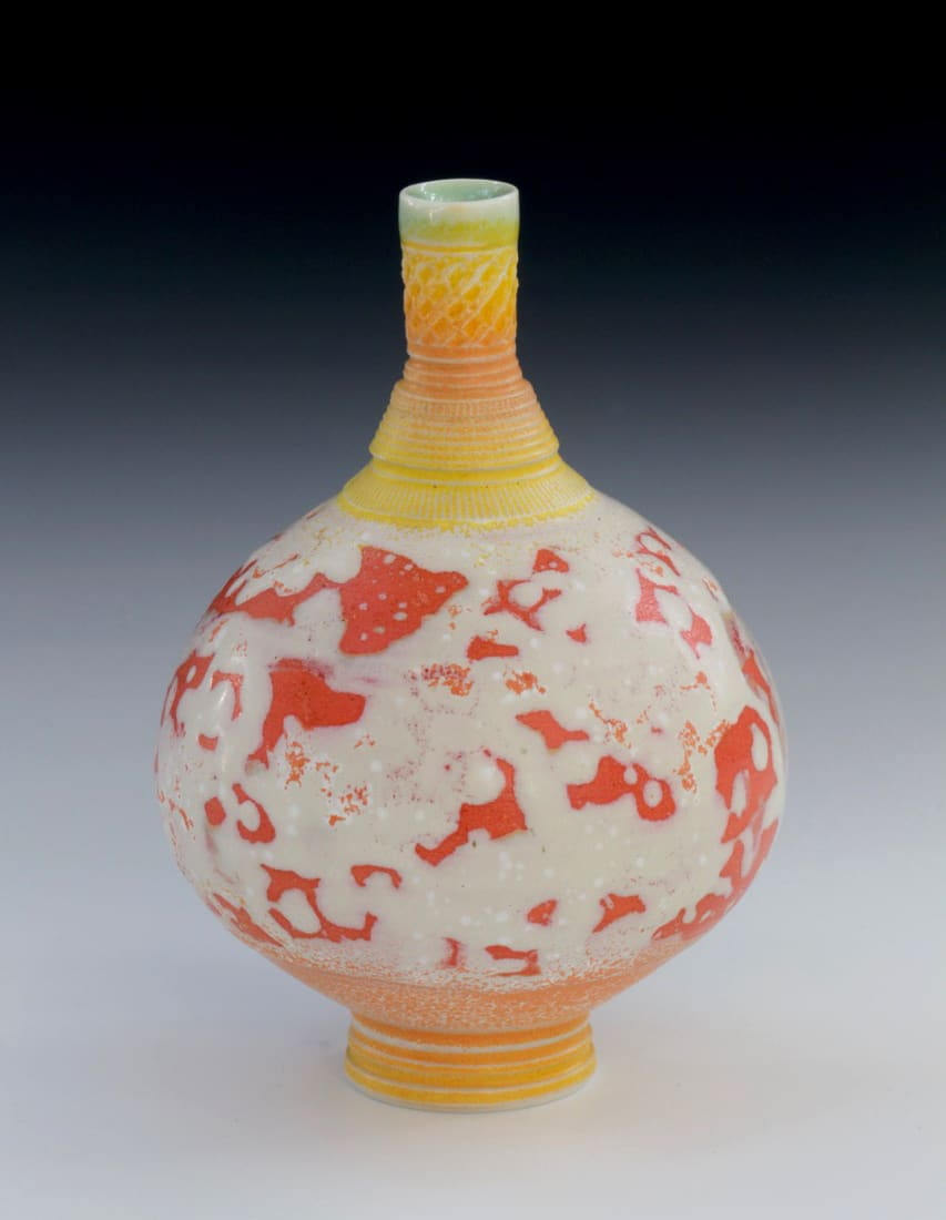 "<span class=""link fancybox-details-link""><a href=""/artists/61-geoffrey-swindell/works/7476-geoffrey-swindell-bud-vase-2021/"">View Detail Page</a></span><div class=""artist""><strong>Geoffrey Swindell</strong></div> b. 1945 <div class=""title""><em>Bud Vase</em>, 2021</div> <div class=""signed_and_dated"">impressed artist's seal to base</div> <div class=""medium"">Porcelain</div> <div class=""dimensions"">h. 11 cm</div><div class=""copyright_line"">Own Art: £18.50 x 10 months, 0% APR</div>"