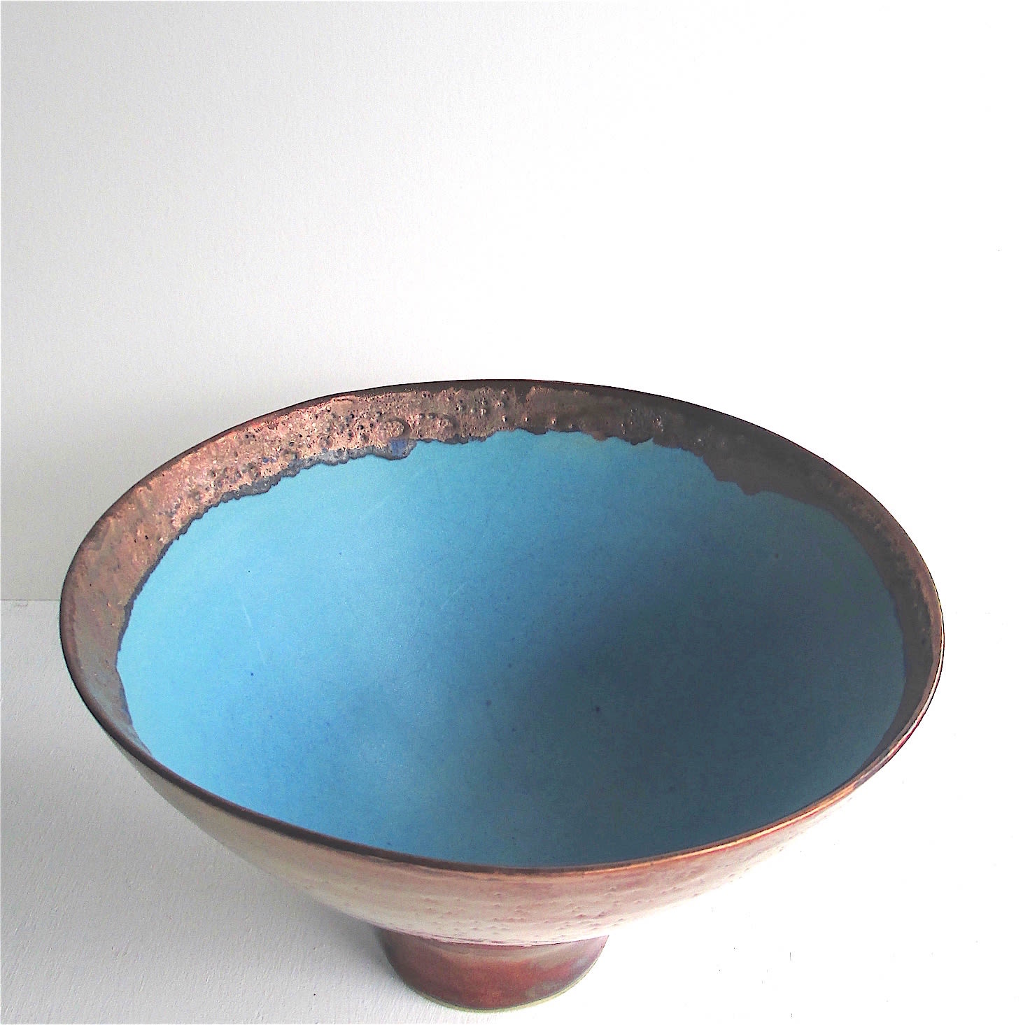 """<span class=""""link fancybox-details-link""""><a href=""""/artists/44-sarah-perry/works/7450-sarah-perry-copper-lustred-turquoise-bowl-2020/"""">View Detail Page</a></span><div class=""""artist""""><strong>Sarah Perry</strong></div> b. 1945 <div class=""""title""""><em>Copper Lustred Turquoise Bowl</em>, 2020</div> <div class=""""signed_and_dated"""">impressed with the artist's seal 'SP'</div> <div class=""""medium"""">stoneware</div> <div class=""""dimensions"""">h 14 x dia 23 cm</div><div class=""""copyright_line"""">Own Art: £35.20 x 10 months, 0% APR</div>"""
