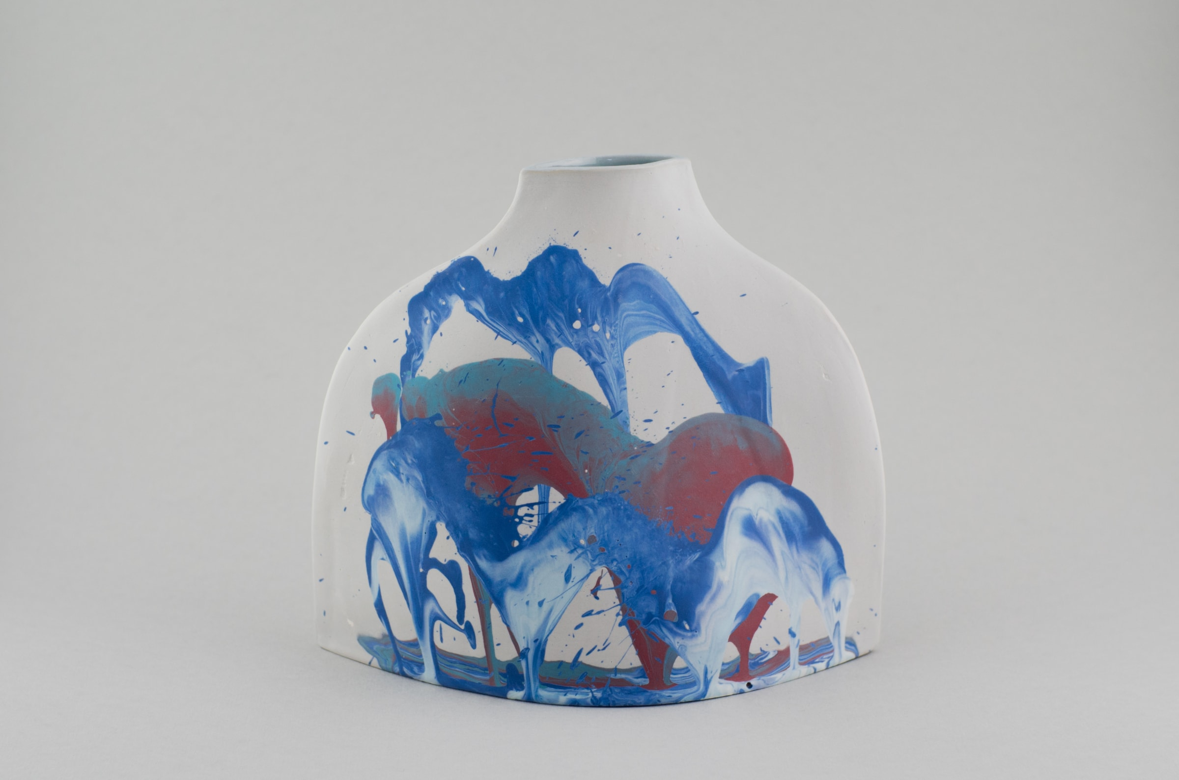 """<span class=""""link fancybox-details-link""""><a href=""""/artists/219-james-pegg/works/6785-james-pegg-shoulder-vase-2019/"""">View Detail Page</a></span><div class=""""artist""""><strong>James Pegg</strong></div> <div class=""""title""""><em>Shoulder Vase</em>, 2019</div> <div class=""""medium"""">action-cast stained porcelain with glazed interior <br />  (in collaboration with Lucia Fraser)</div> <div class=""""dimensions"""">h 20 cm x w 17.5 cm</div><div class=""""price"""">£205.00</div><div class=""""copyright_line"""">OwnArt: £ 20.50 x 10 Months, 0% APR </div>"""