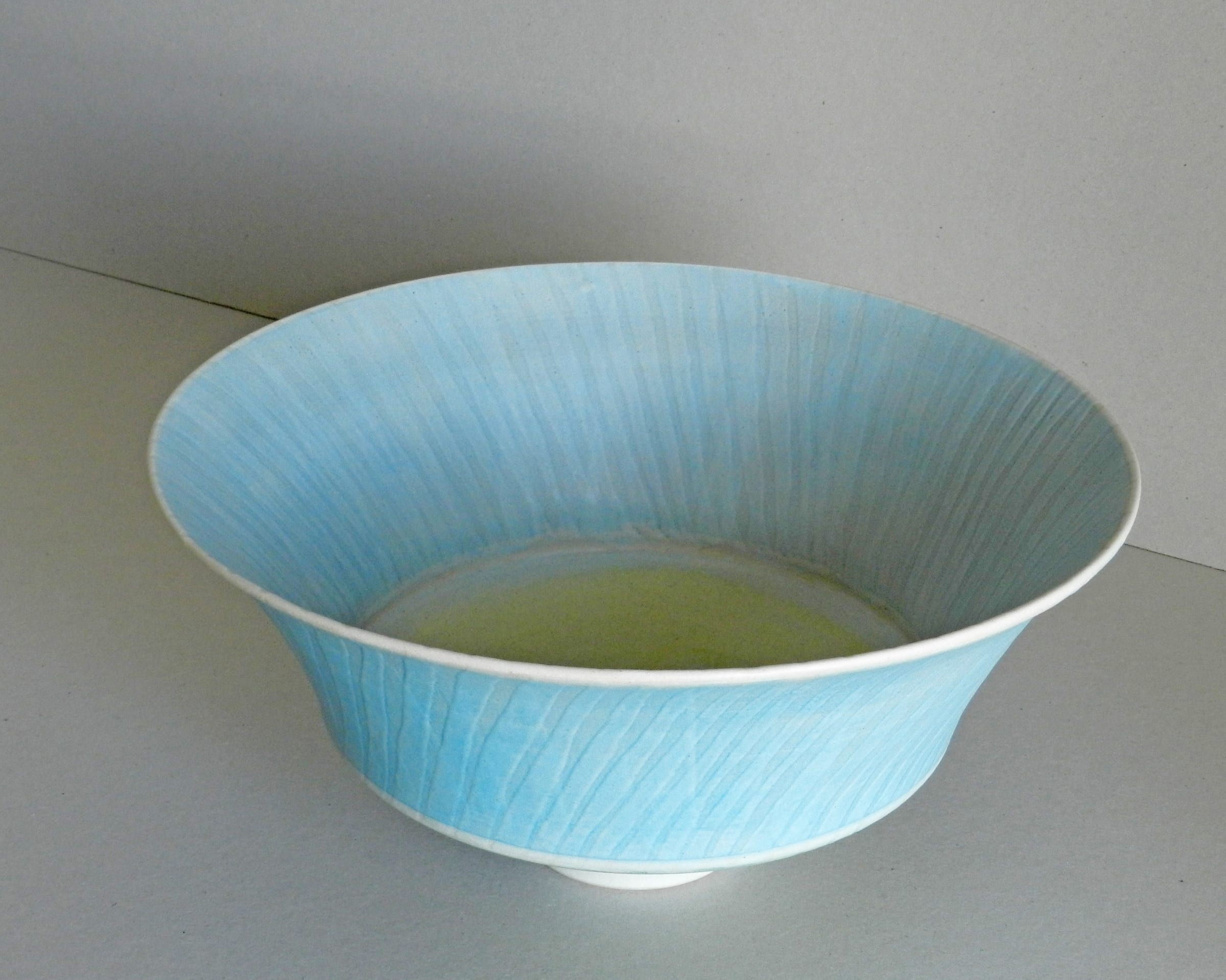 """<span class=""""link fancybox-details-link""""><a href=""""/artists/243-christine-feiler/works/6873-christine-feiler-large-double-rim-bowl-2018/"""">View Detail Page</a></span><div class=""""artist""""><strong>Christine Feiler</strong></div> b. 1948 <div class=""""title""""><em>Large double rim bowl</em>, 2018</div> <div class=""""signed_and_dated"""">Ceramicist mark on base</div> <div class=""""medium"""">Stoneware with enamels</div><div class=""""price"""">£385.00</div><div class=""""copyright_line"""">Copyright The Artist</div>"""