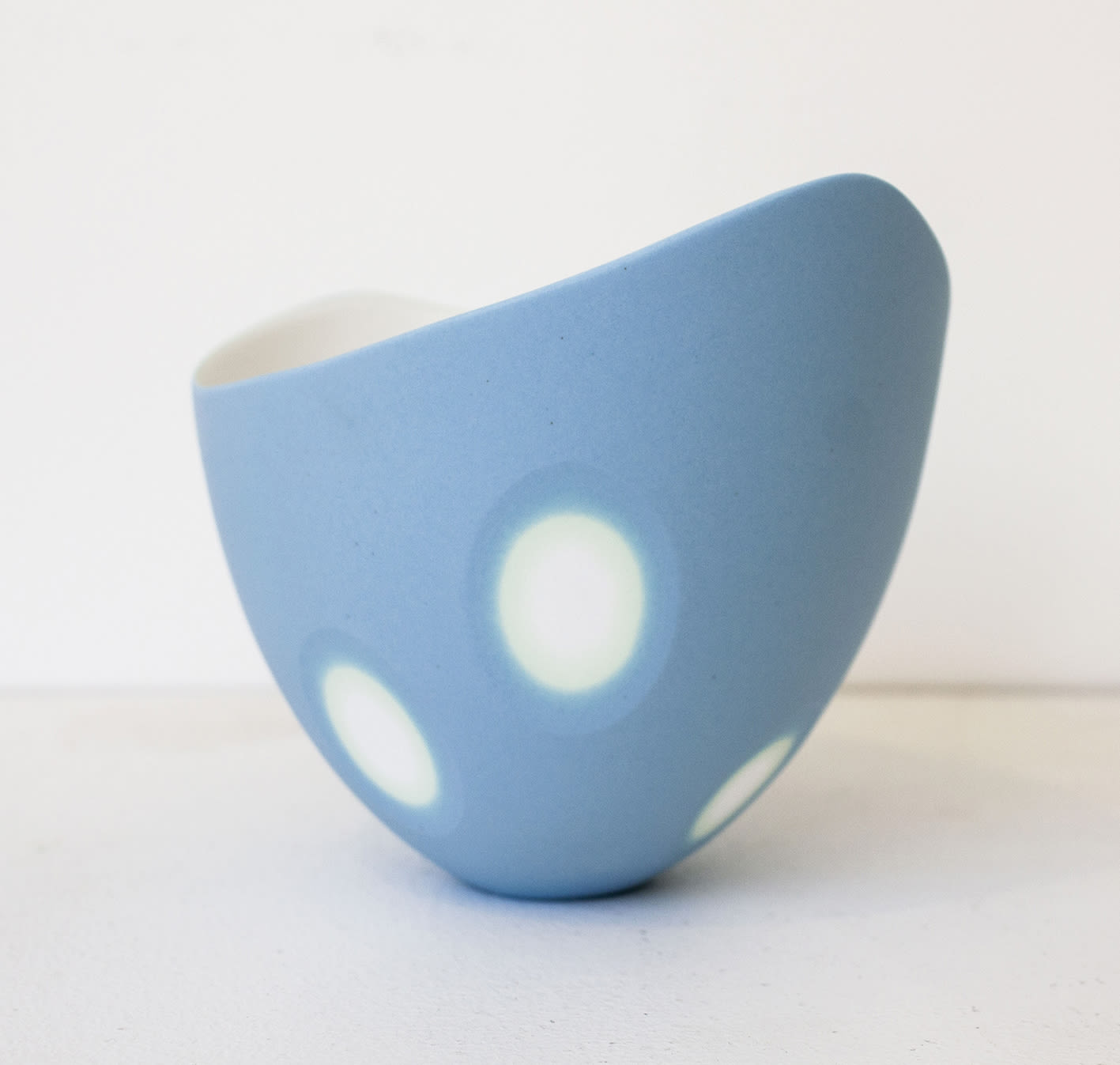 "<span class=""link fancybox-details-link""><a href=""/artists/60-sasha-wardell/works/7783-sasha-wardell-blue-space-wavy-rim-bowl-2021/"">View Detail Page</a></span><div class=""artist""><strong>Sasha Wardell</strong></div> <div class=""title""><em>Blue 'Space' Wavy Rim Bowl</em>, 2021</div> <div class=""medium"">bone china</div> <div class=""dimensions"">h. 11 cm</div><div class=""copyright_line"">Own Art: £19 x 10 Months, 0% APR</div>"