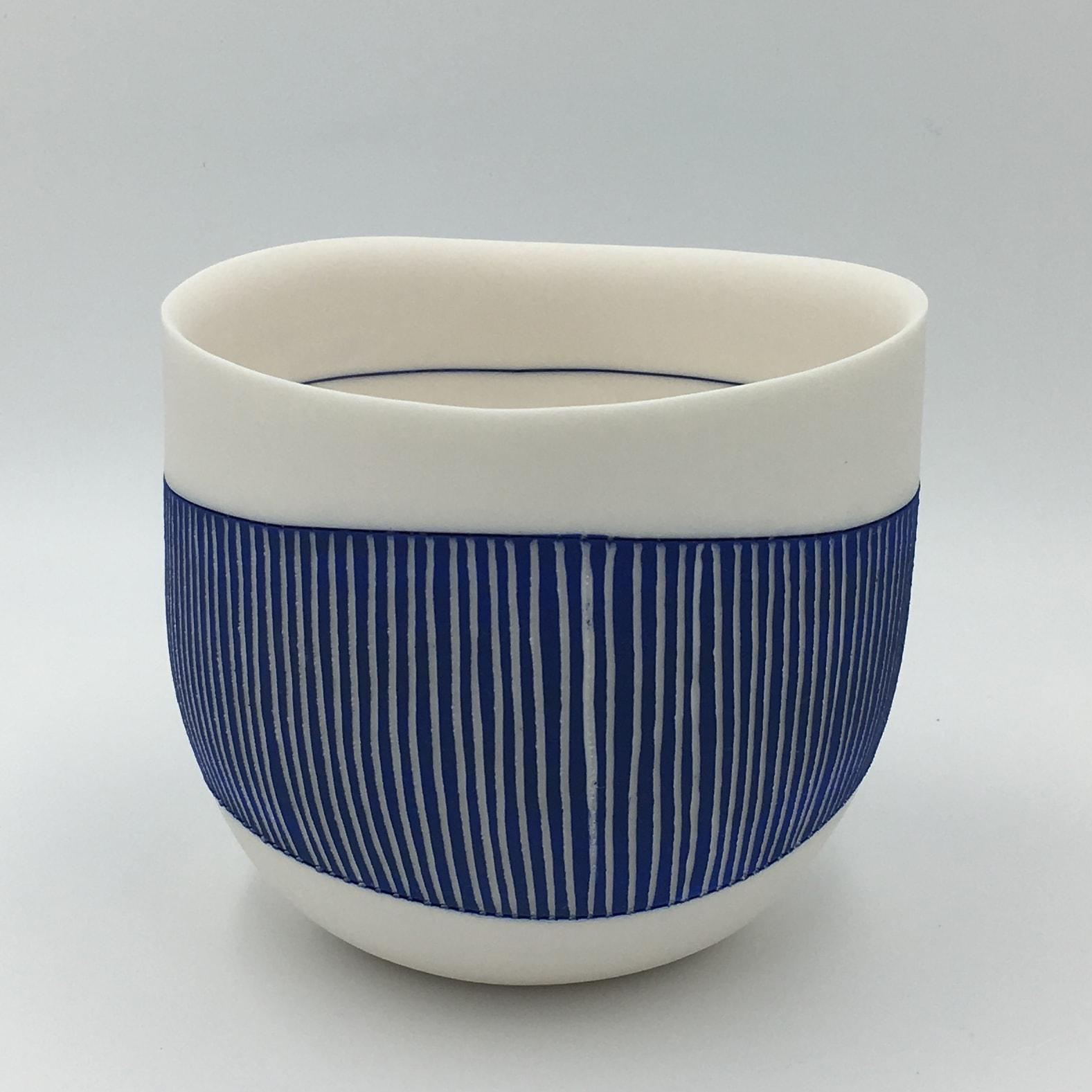 "<span class=""link fancybox-details-link""><a href=""/artists/195-lara-scobie/works/6515-lara-scobie-bowl-with-fine-blue-stripes-2019/"">View Detail Page</a></span><div class=""artist""><strong>Lara Scobie</strong></div> b. 1967 <div class=""title""><em>Bowl with Fine Blue Stripes</em>, 2019</div> <div class=""medium"">Porcelain</div><div class=""copyright_line"">Own Art: £28 x 10 Months, 0% APR</div>"