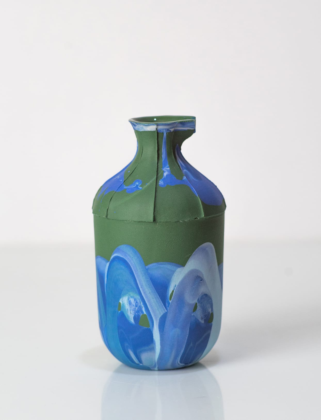 "<span class=""link fancybox-details-link""><a href=""/artists/219-james-pegg/works/6080-james-pegg-bottle-2019/"">View Detail Page</a></span><div class=""artist""><strong>James Pegg</strong></div> <div class=""title""><em>Bottle</em>, 2019</div> <div class=""medium"">action-cast stained porcelain with glazed interior</div> <div class=""dimensions"">h 12 cm, dia 6 cm</div><div class=""price"">£90.00</div>"